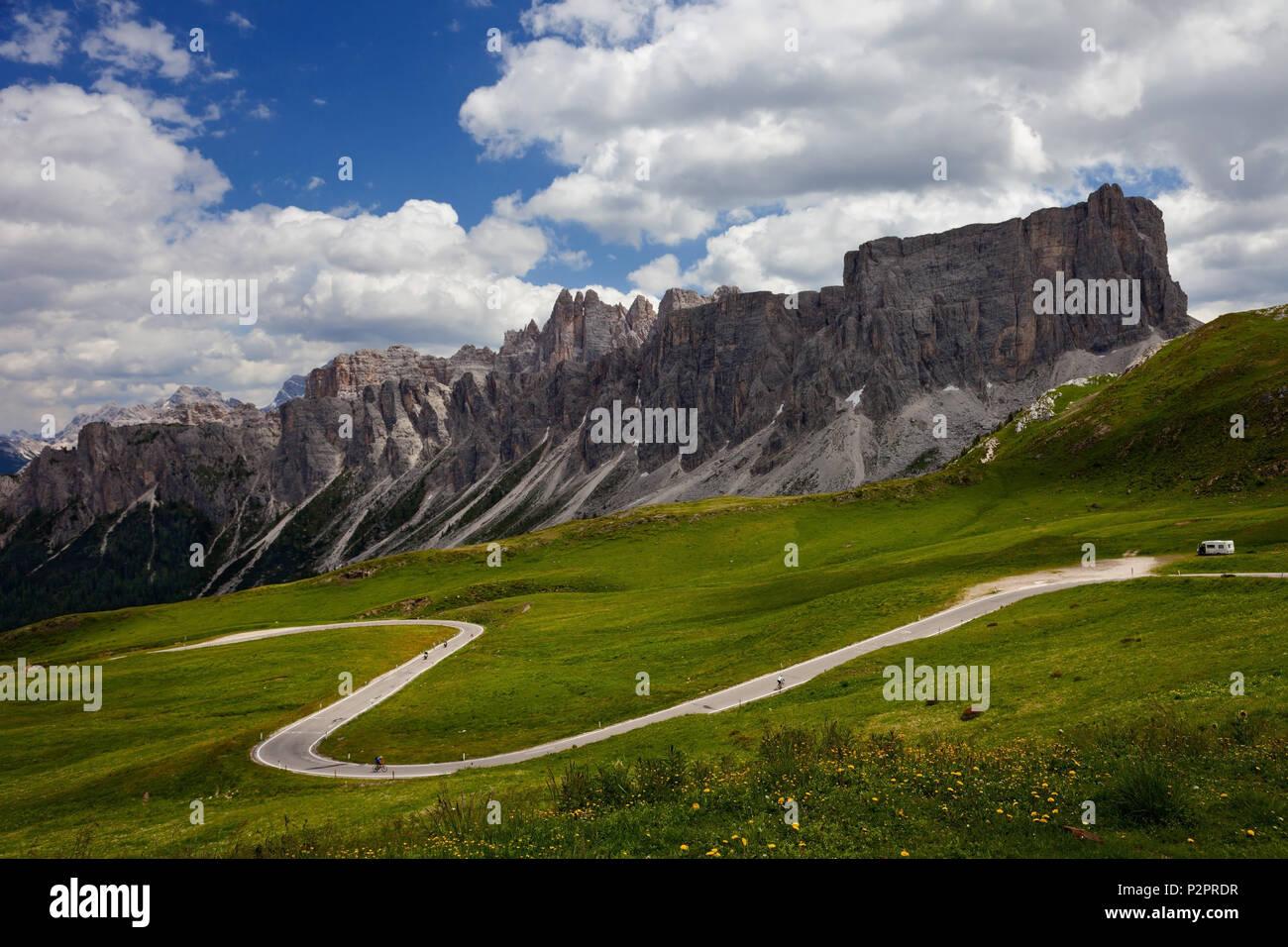 Summer, Pass Road, Passo Giau, Alps, Dolomites, Belluno, Italy - Stock Image