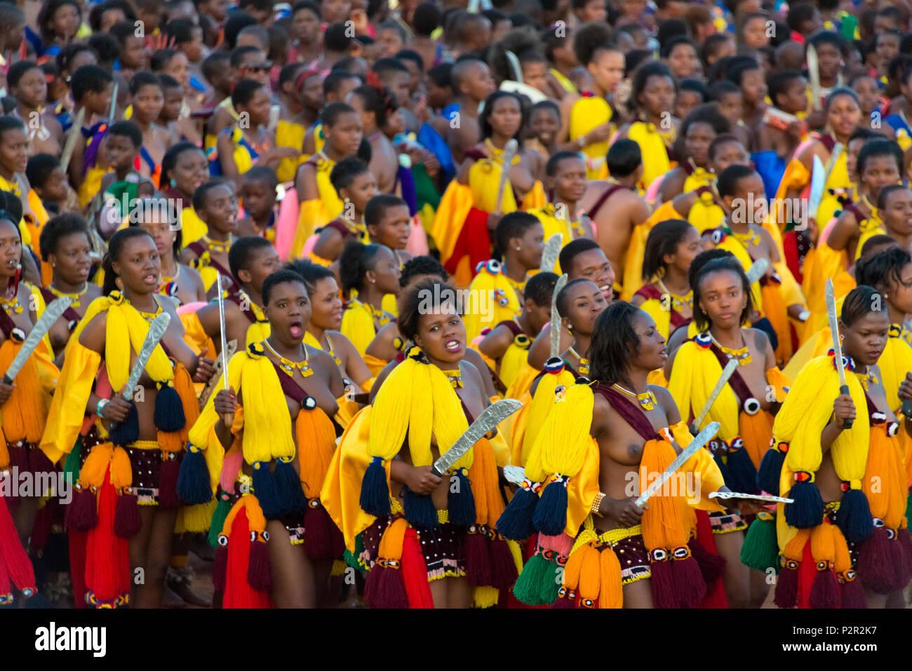 Swazi girls parade at Umhlanga (Reed Dance Festival), Swaziland Stock Photo