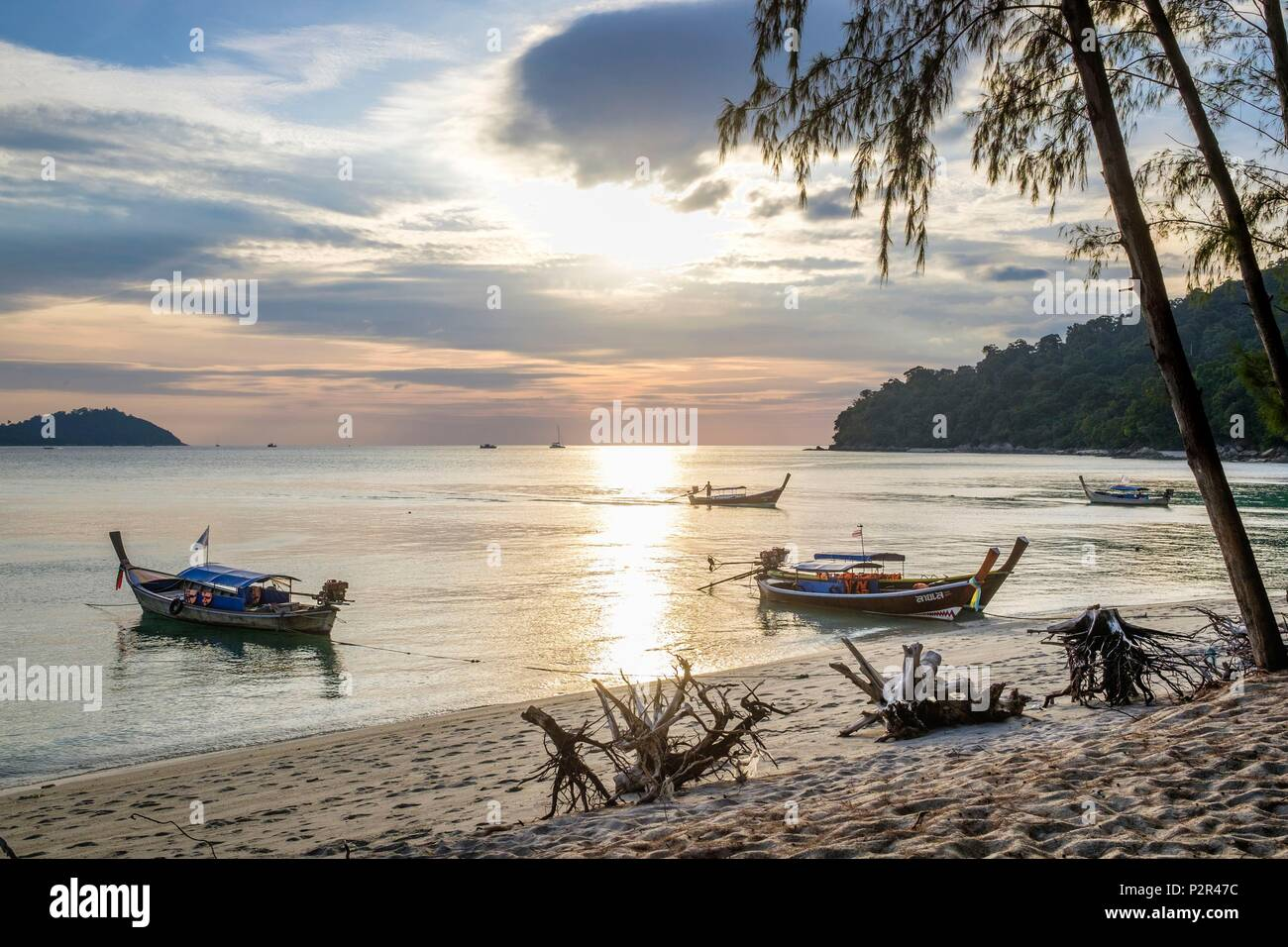 Thailand, Satun province, Tarutao National Marine Park, Ko Adang island, sunset on Laem Son beach - Stock Image