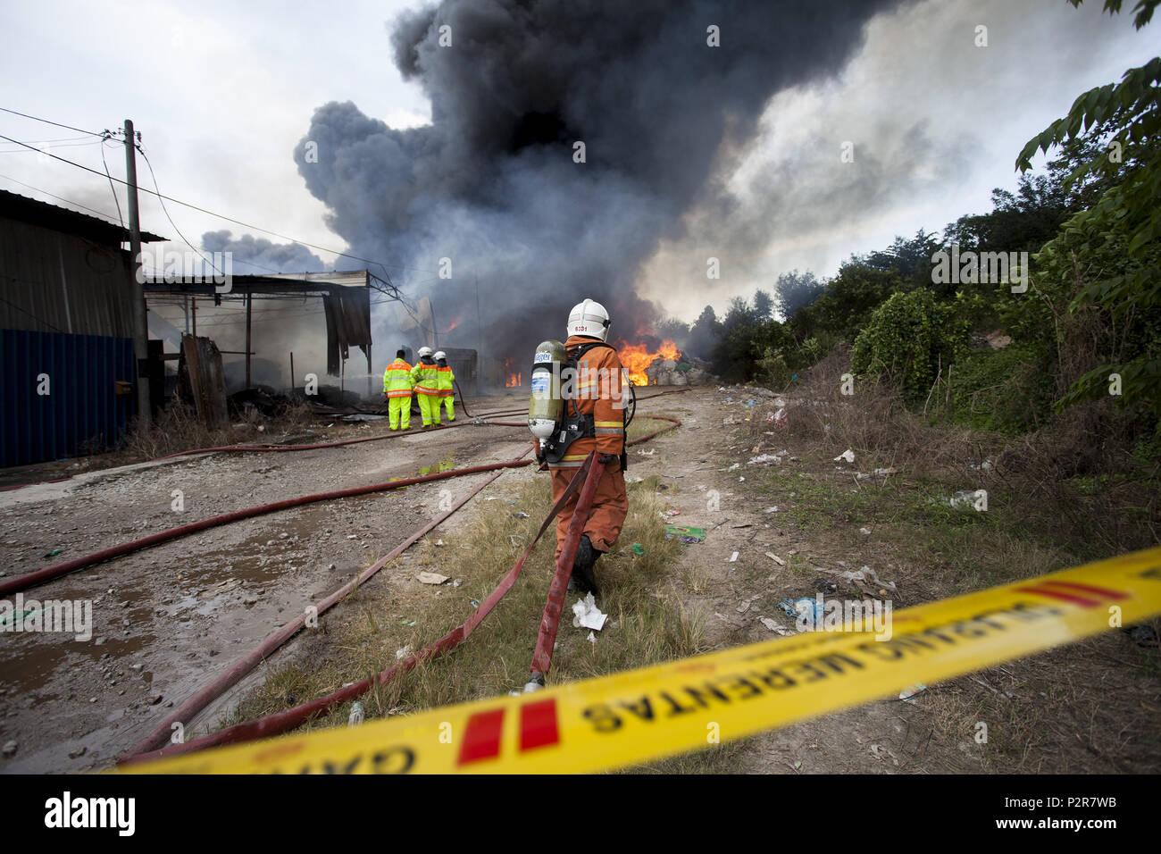 Sungai Petani, Kedah, Malaysia  16th June, 2018  A fireman is