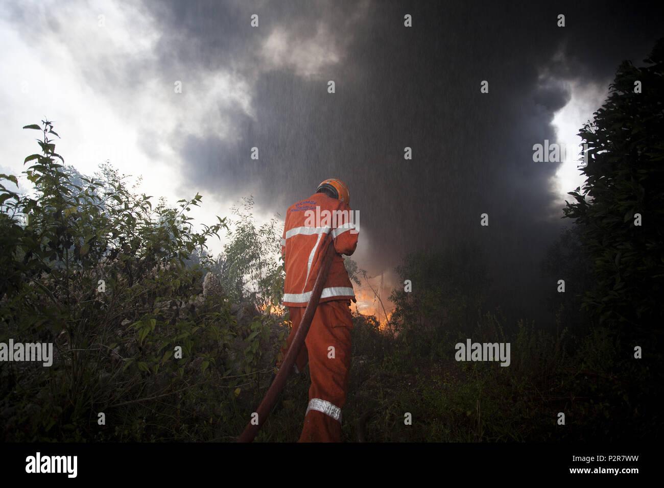 Sungai Petani, Kedah, Malaysia  16th June, 2018  A fire fighter is