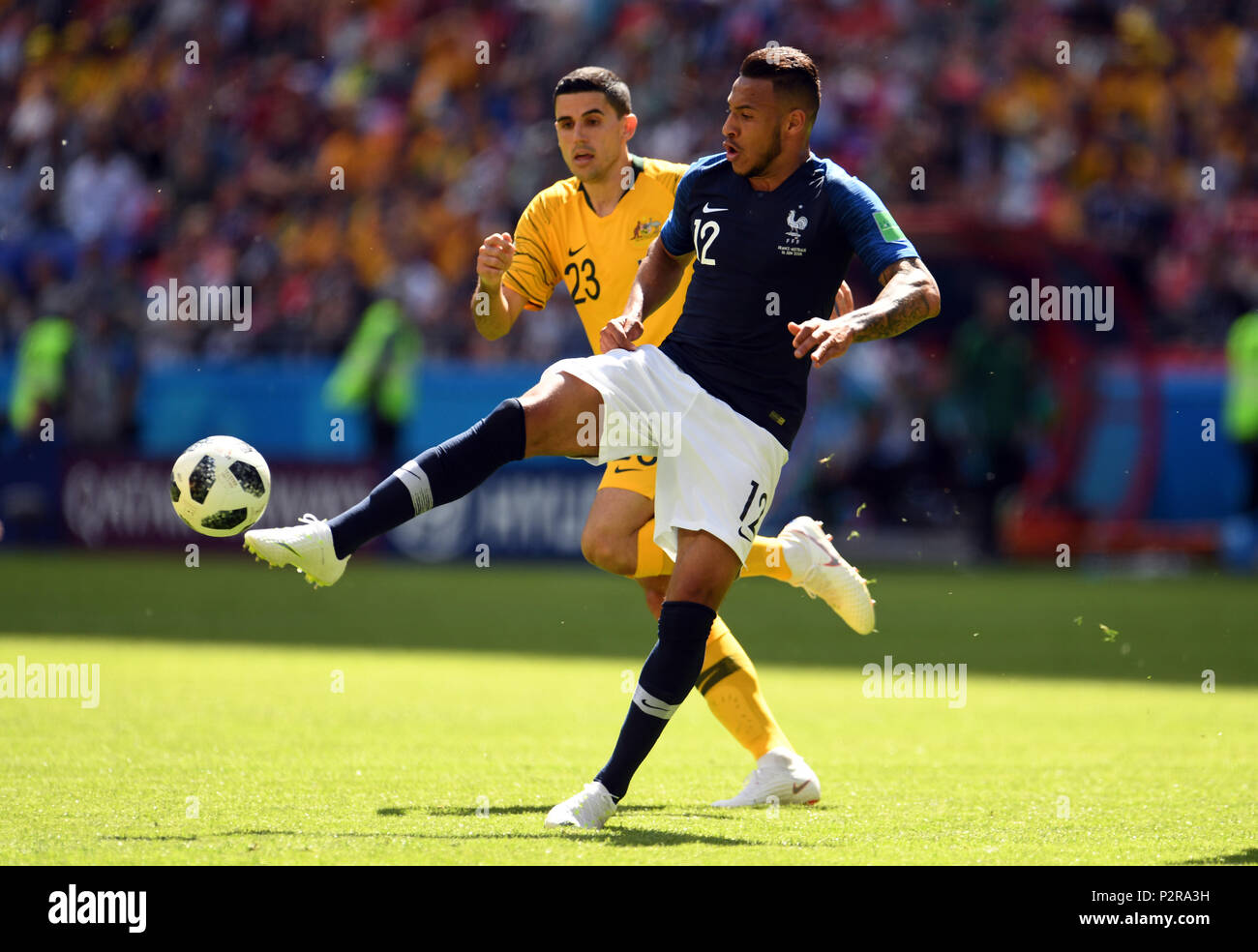 Kazan, Russia. 16th Jun, 2018. 16 June 2018, Russia, Kazan, Soccer, FIFA World Cup 2018, Matchday 1 of 3, France vs Australia in the Kazan Arena: Corentin Tolisso (R) from France and Tom Rogic from Australia fight for the ball. Photo: Andreas Gebert/dpa Credit: dpa picture alliance/Alamy Live News - Stock Image