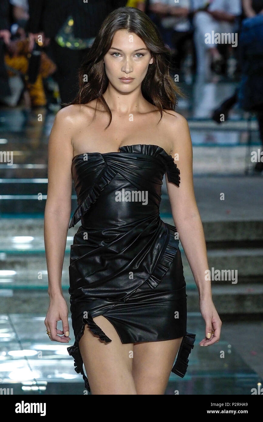 Buy Buzz link bella hadid signs img pictures trends