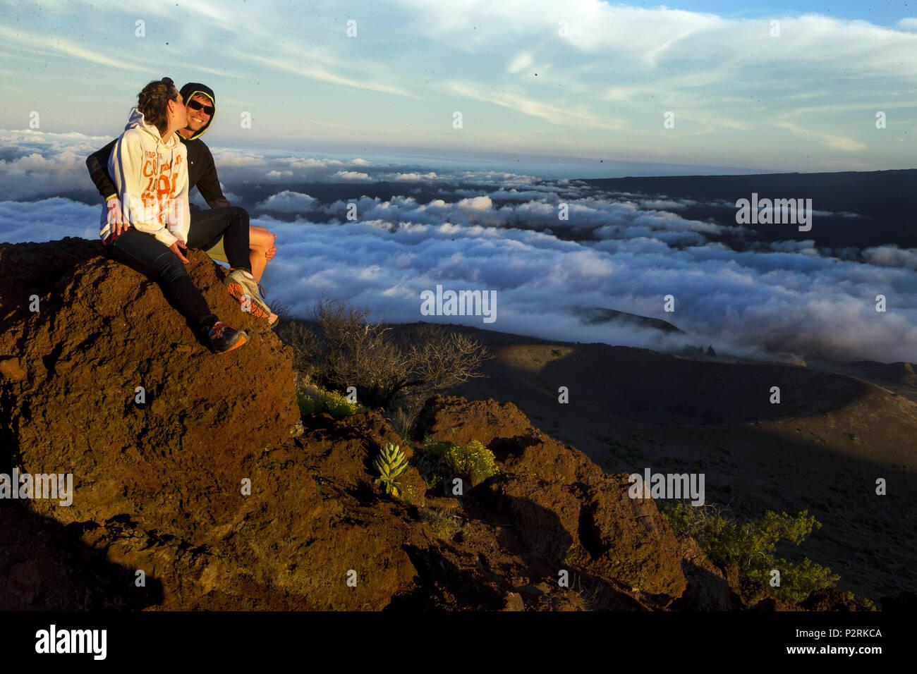 Pahoa, Hawaii, USA. 12th June, 2018. Janine and Trevor Freeman sit ...