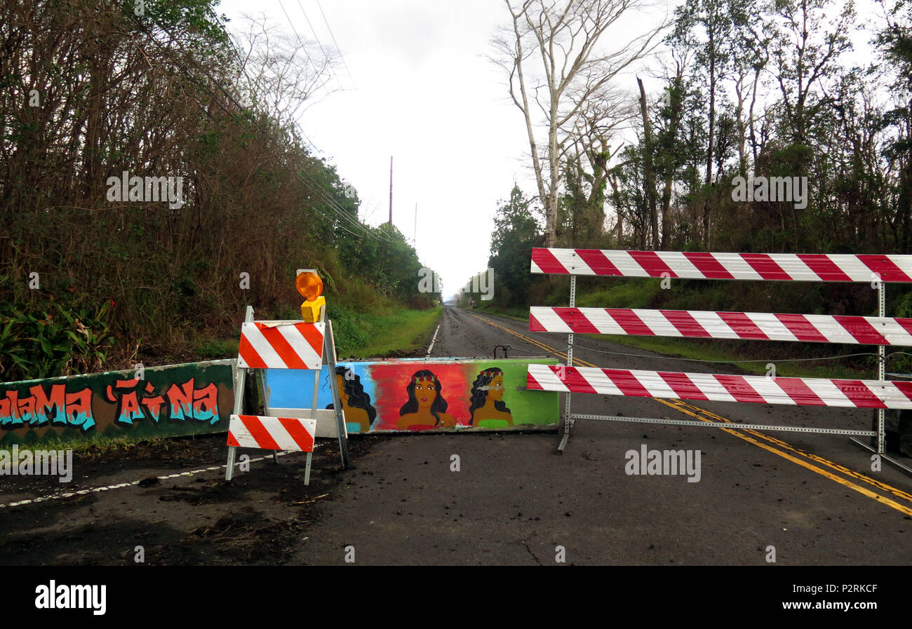 Pahoa, Hawaii, USA. 9th July, 2018. Barricade on Leilani Avenue is blocked for safety within the Leilani Estates Subdivision as the Kilauea Volcano east rift zone eruption continues Sunday, June 10, 2018, in Pahoa, Hawaii. Photo by LE Baskow/LeftEyeImages Credit: L.E. Baskow/ZUMA Wire/Alamy Live News - Stock Image