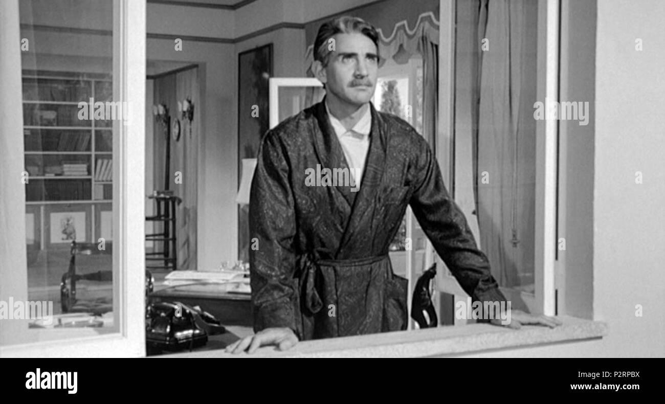 . Italiano: Screenshot di Walter Chiari nel film Io, diretto da Alessandro Blasetti nel 1966. Creato il 26 marzo 2016. Screenshot autoprodotto 41 Io io io e gli altri - Stock Image