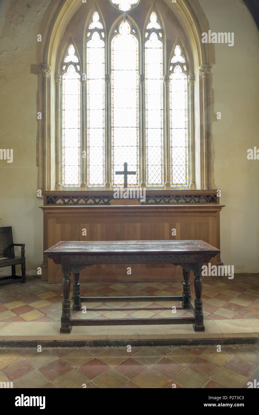 Wramplingham church Alter table Stock Photo - Alamy