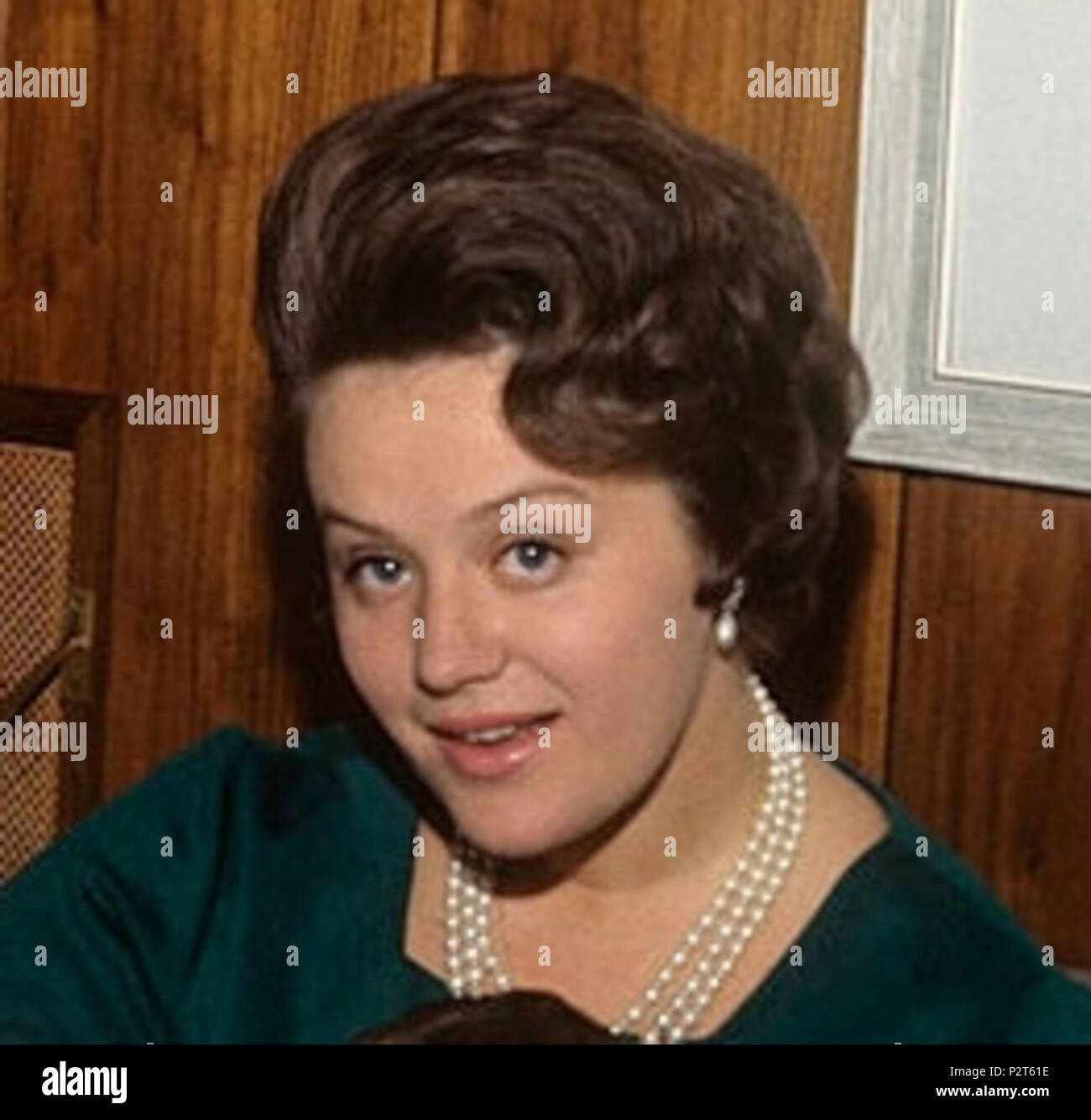 Alvorlig Princess Muna of Jordan, born Toni Avril Gardiner, photographed in OW-43