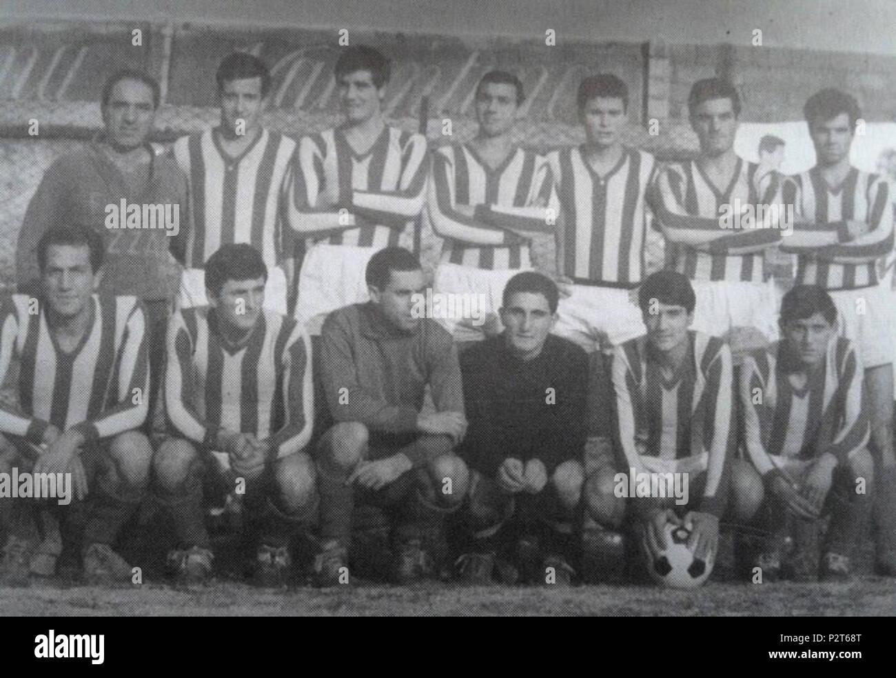 . Italiano: Forza e Coraggio Avezzano 1966-1967 . 31 July 2015, 10:32:11. Unknown 10 Avezzano calcio 1966 67 Stock Photo