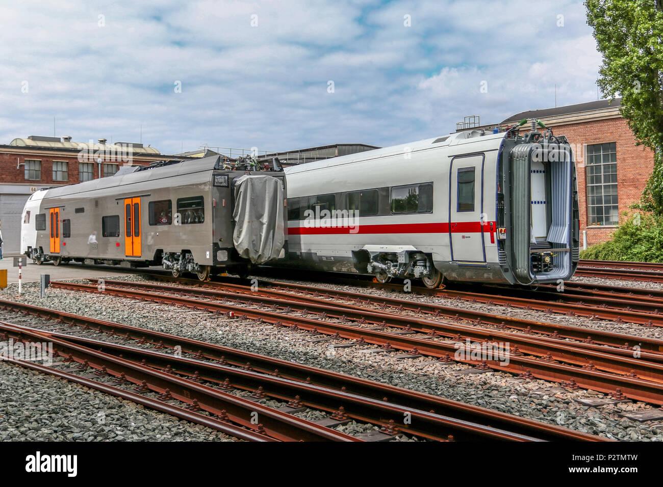 Krefeld, 13. Jun 2018 - Neben den Nahverkehrstriebwagen vom Typ Desiro HC werden in Krefeld auch weiterhin zahlreiche Antriebswagen fuer den ICE4 - die aktuelle ICE-Generation der Deutschen Bahn - produziert. - Stock Image