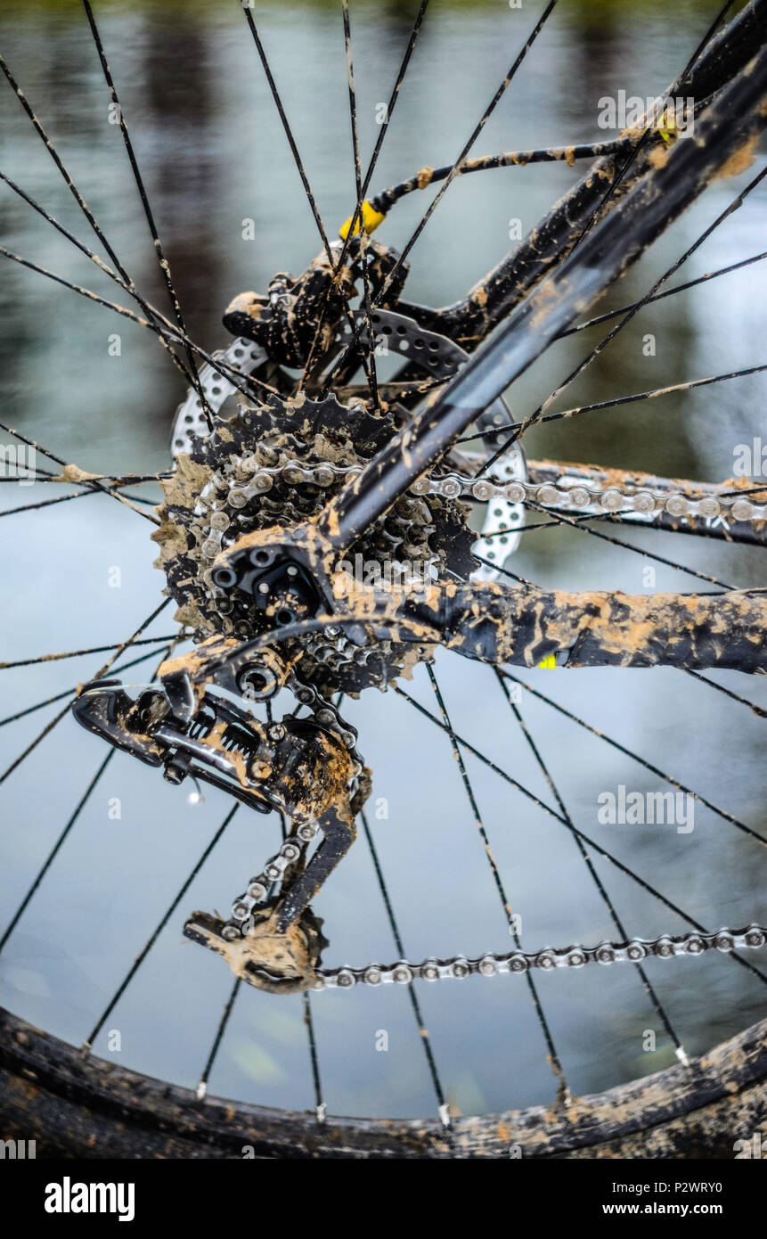 Mountain Bike Transmission In Mud Dirty Chain Drive Of Mountain Bike After Riding In Bad Weather Stock Photo Alamy