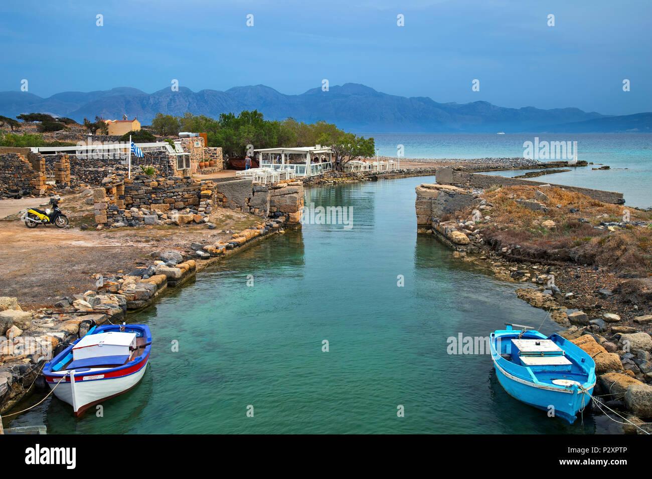 Bachelorette 15 - Hannah Brown - ScreenCaps - *Sleuthing Spoilers* -  - Page 73 Kanali-literally-canal-elounda-gulf-of-mirabello-agios-nikolaos-municipality-lasithi-crete-greece-P2XPTP