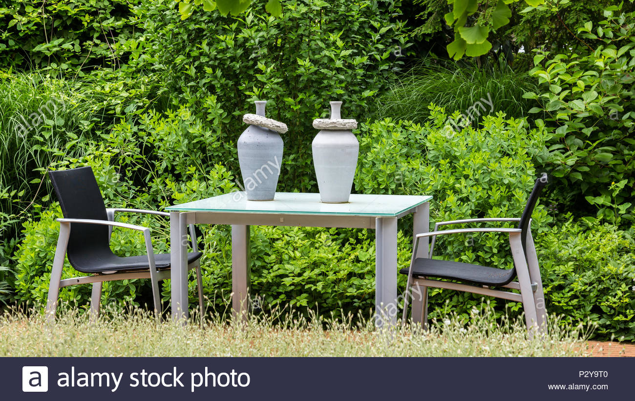 Page 9 - Garden Seat And Pots High Resolution Stock Photography