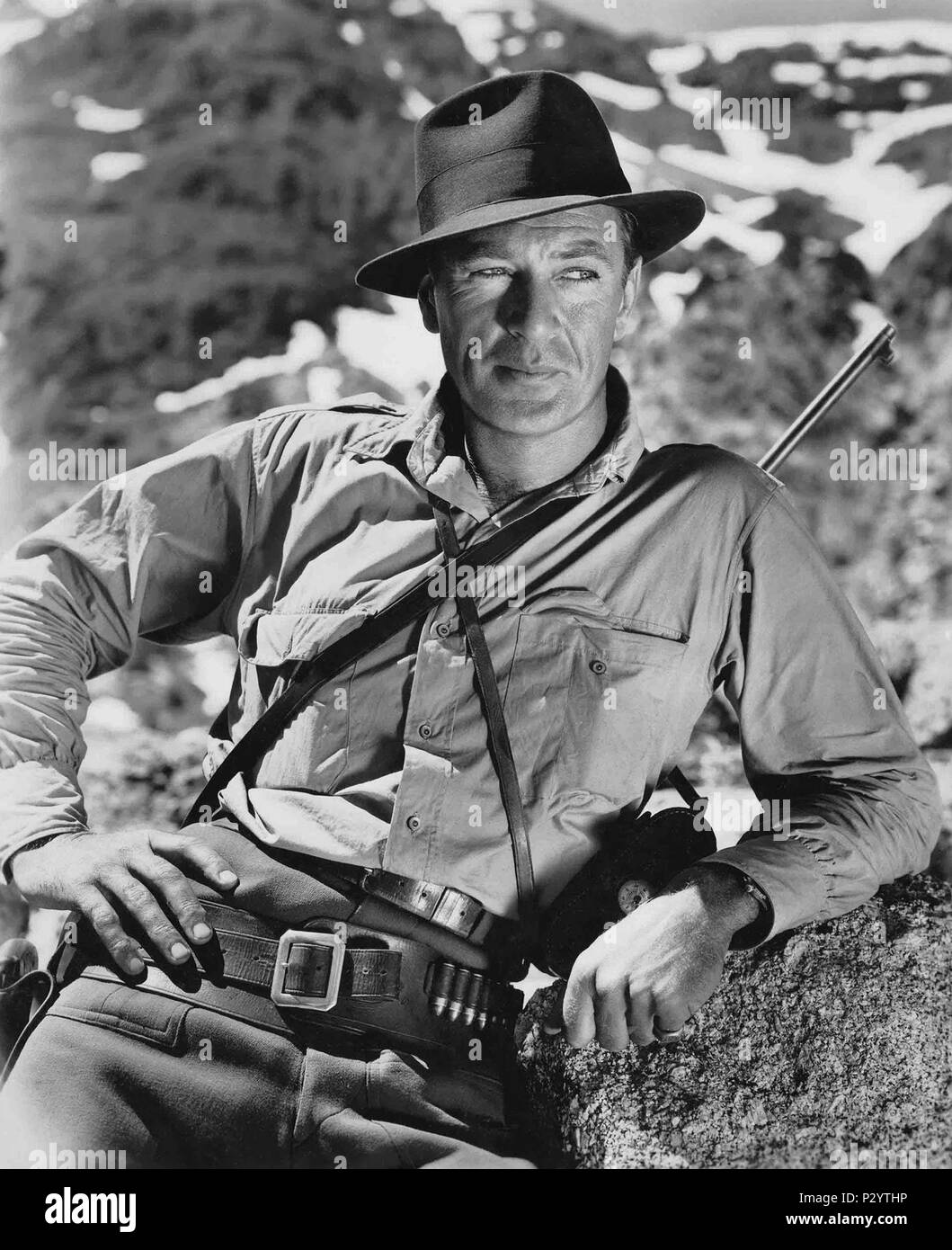 Original Film Title: FOR WHOM THE BELL TOLLS.  English Title: FOR WHOM THE BELL TOLLS.  Film Director: SAM WOOD.  Year: 1943.  Stars: GARY COOPER. Credit: PARAMOUNT PICTURES / Album - Stock Image