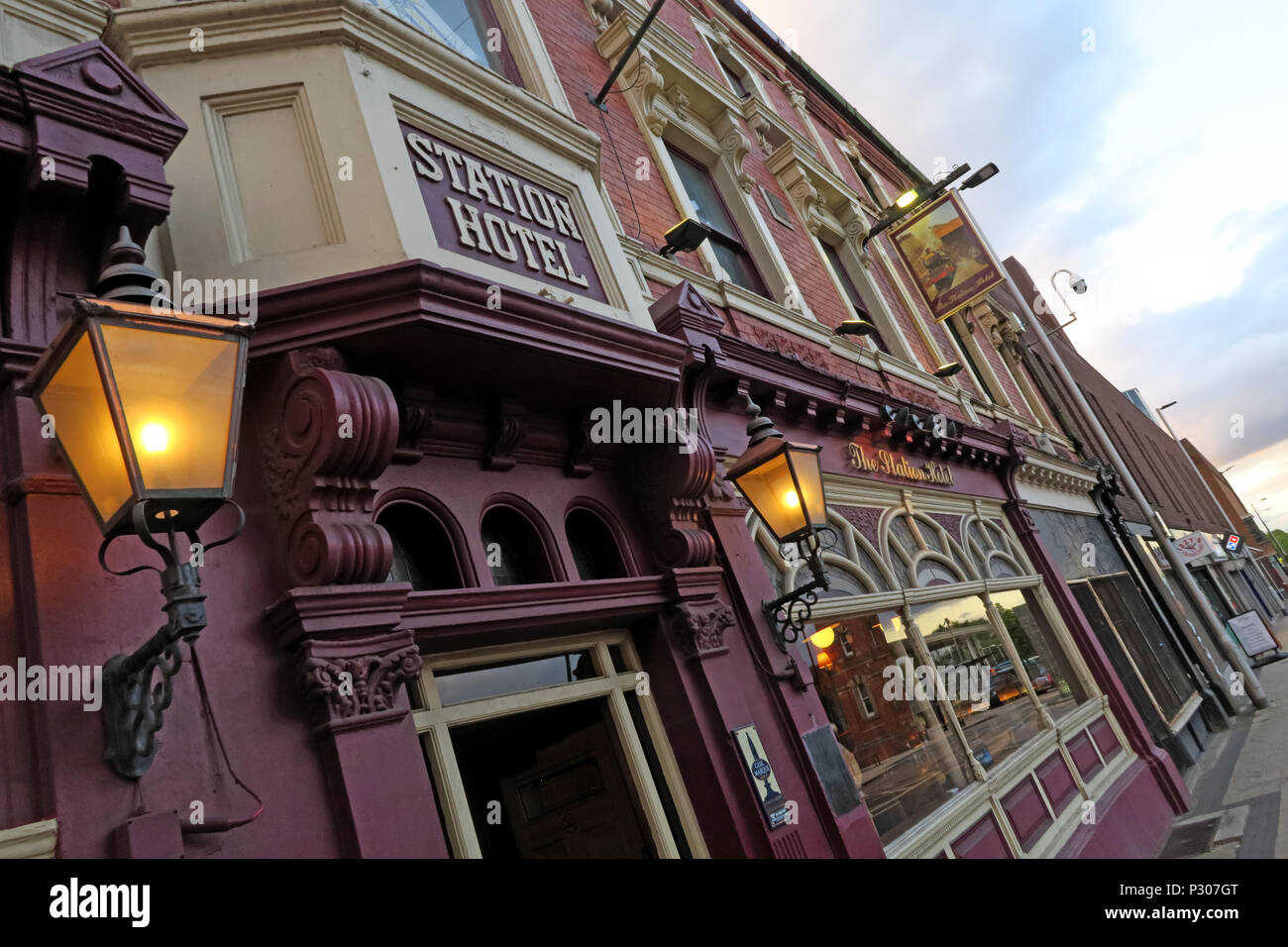 Station Hotel Pub, Altrincham, Trafford, Greater Manchester, North West England, UK - Stock Image