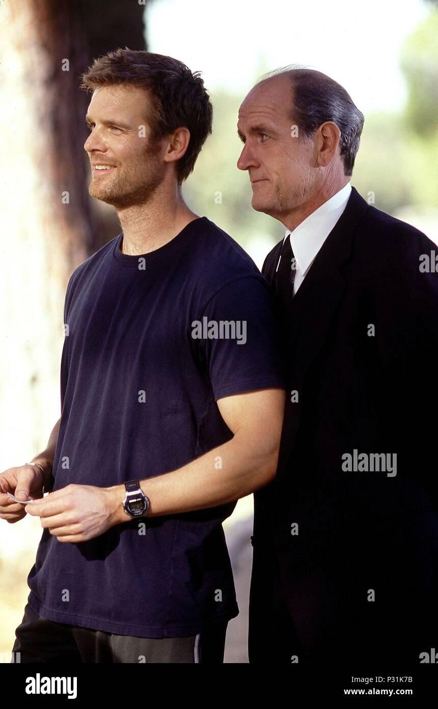 Description 4o Temporada Original Filmle Six Feet Under English Le Six Feet Under Year 2001 Stars Richard Jenkins Peter Krause