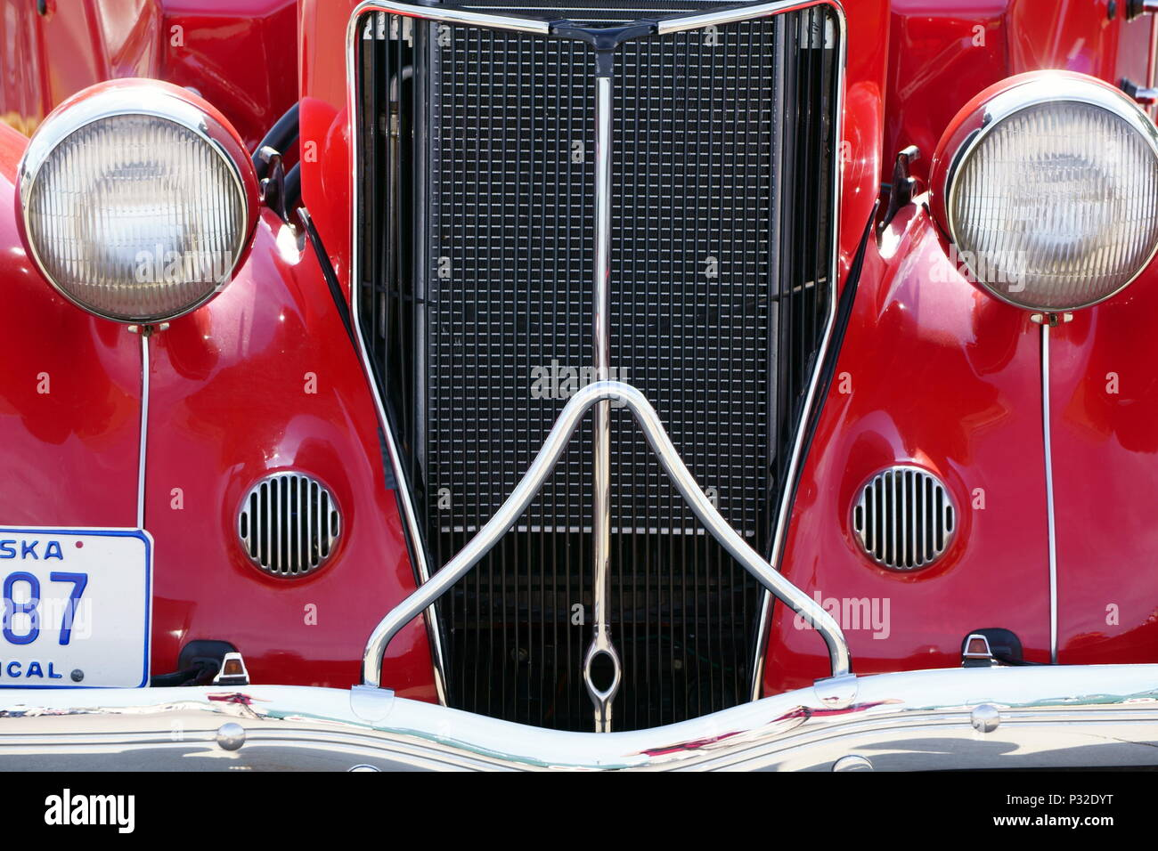 Front end of a shiny hot rod coupe Stock Photo: 208423260 - Alamy