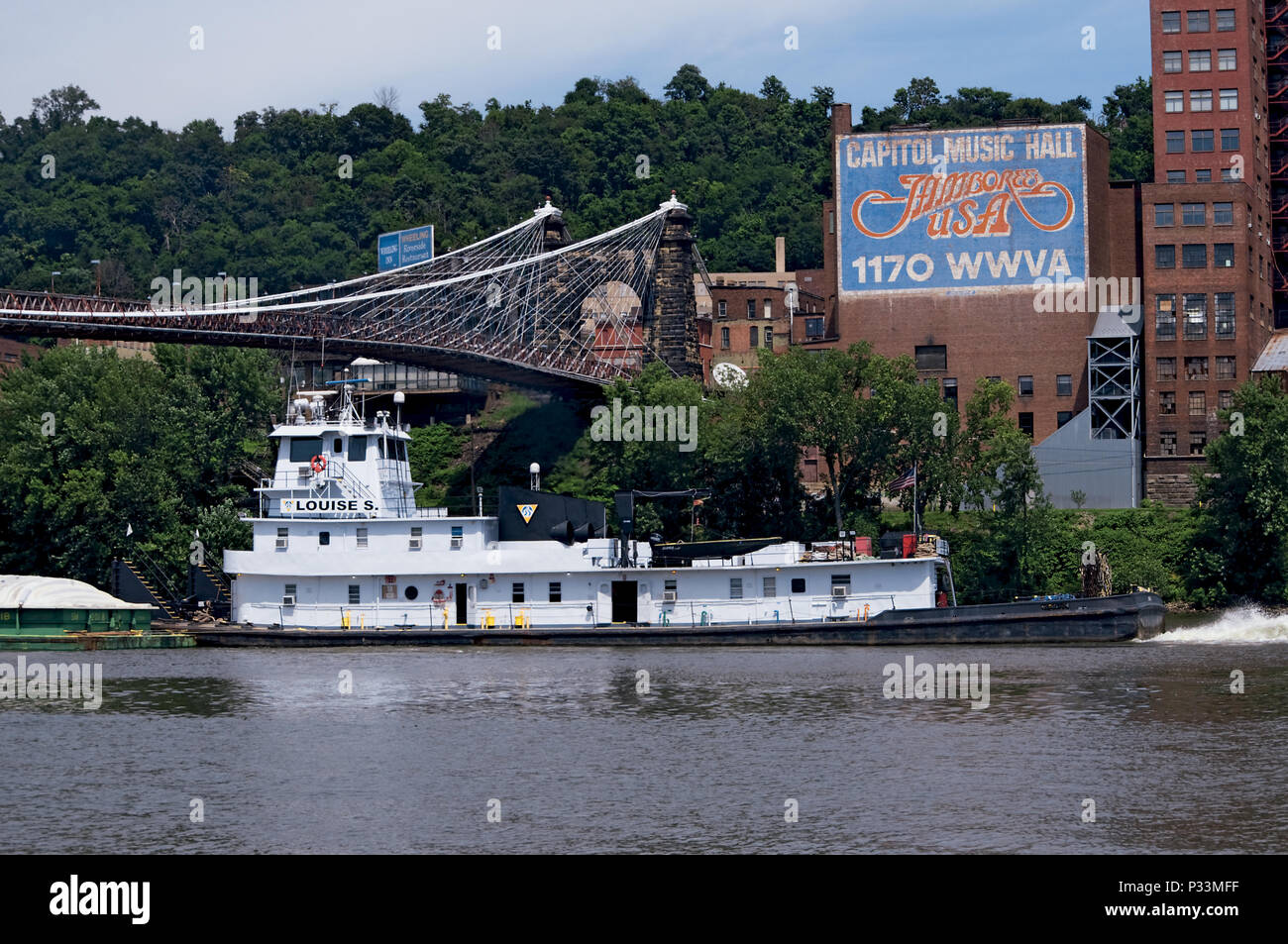 Tugboat and Barges on Ohio River at Wheeling, WV - Stock Image