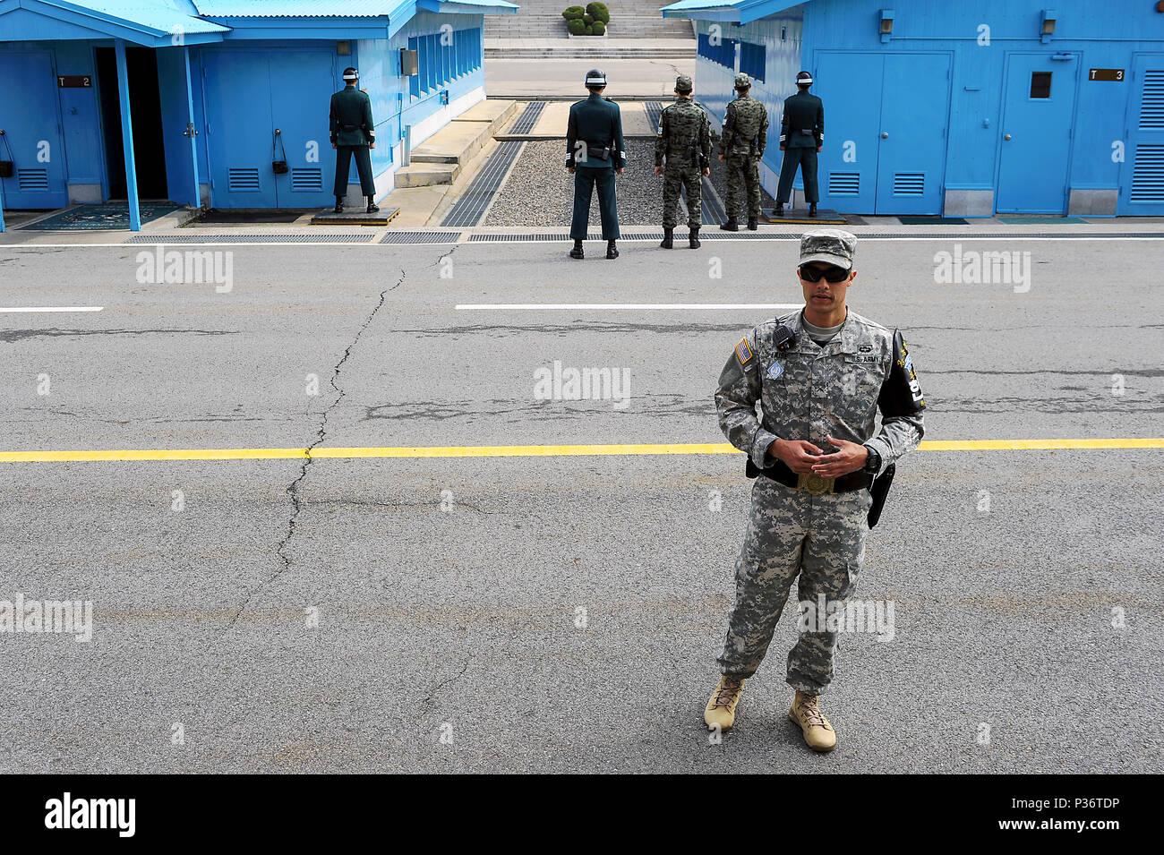 Panmunjeom, South Korea, US Marine and South Korean Guardsmen - Stock Image