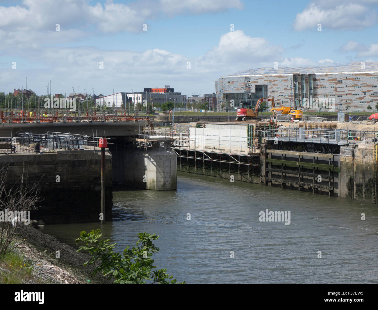 Civil Engineering a reinforced conrete road bridge over the entrance to Middlehaven Dock Middlesbrough under construction June 2018 - Stock Image