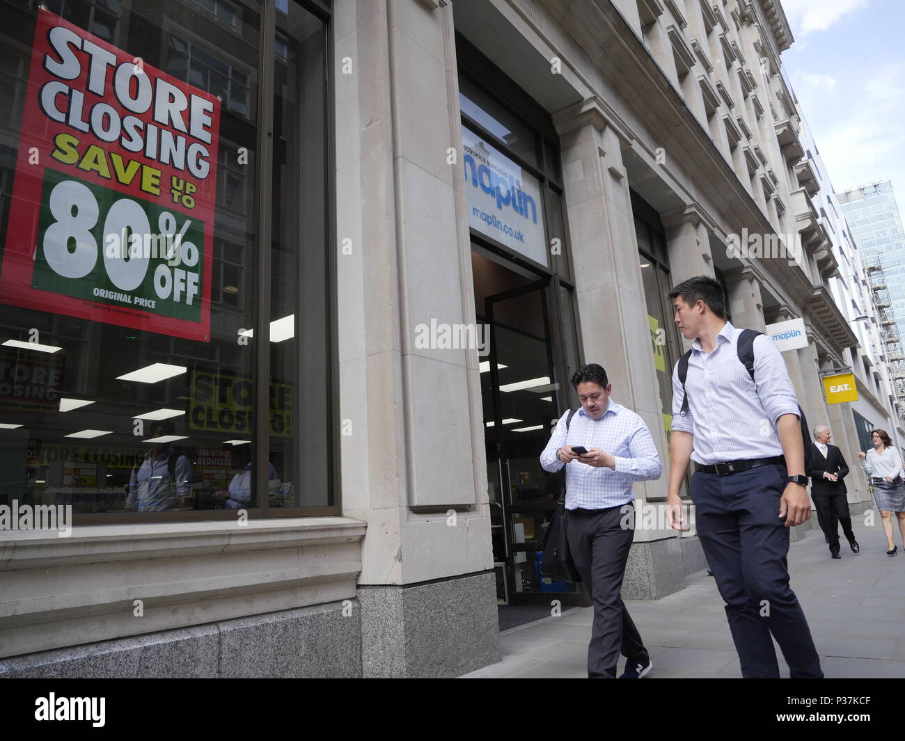 Maplins closing down, store closure sale, London - Stock Image