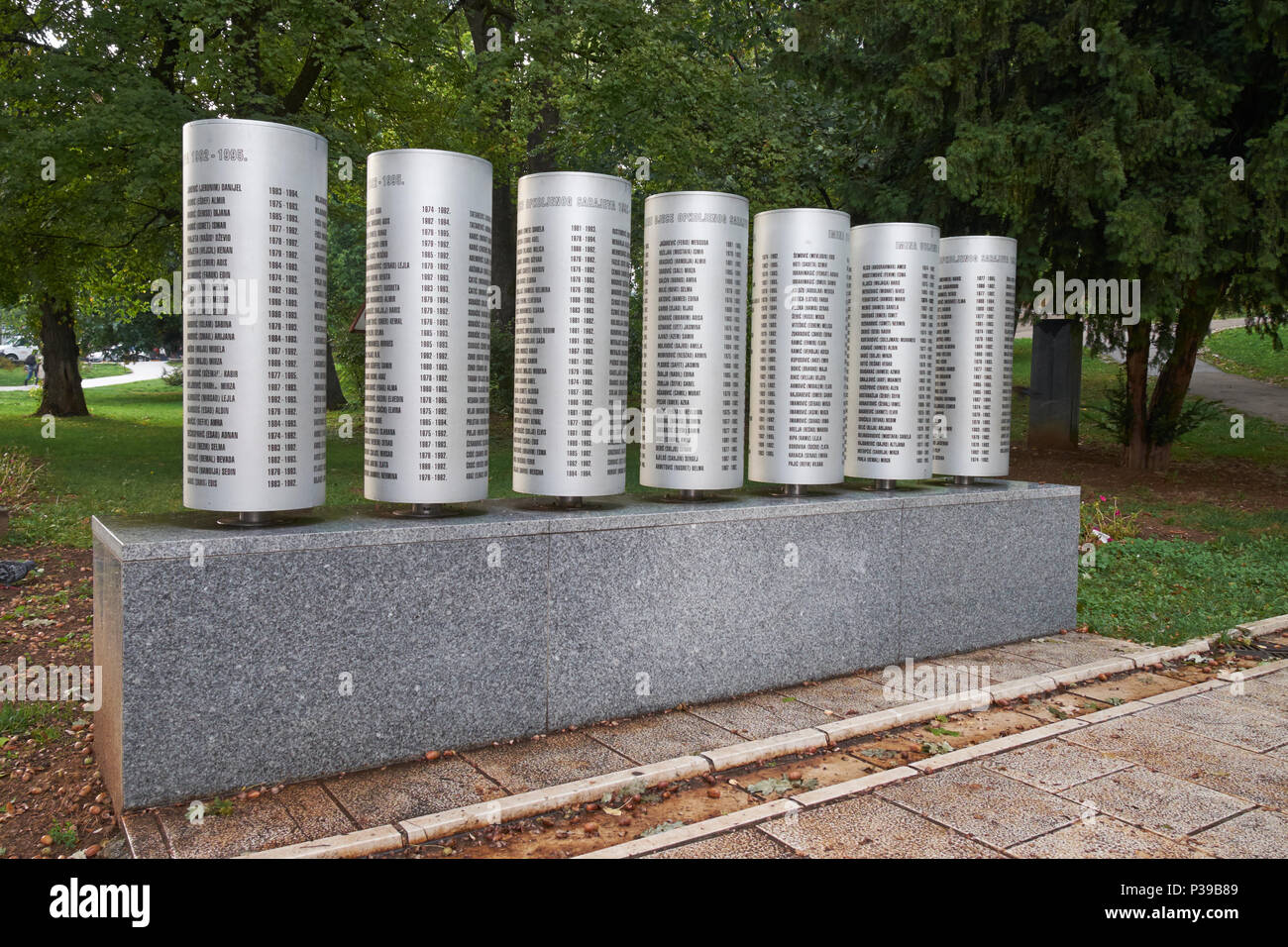 Plinth bearing the names of the 521 children killed during the siege of Sarajevo 1992-96. Veliki (Great) Park, Sarajevo,Bosnia and Herzegovina. - Stock Image