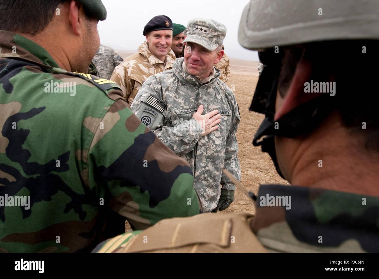 Troops Afghanistan Base Stock Photos 1209 Kemeja Army Black Dec 9 2009 Lt Gen William B Caldwell