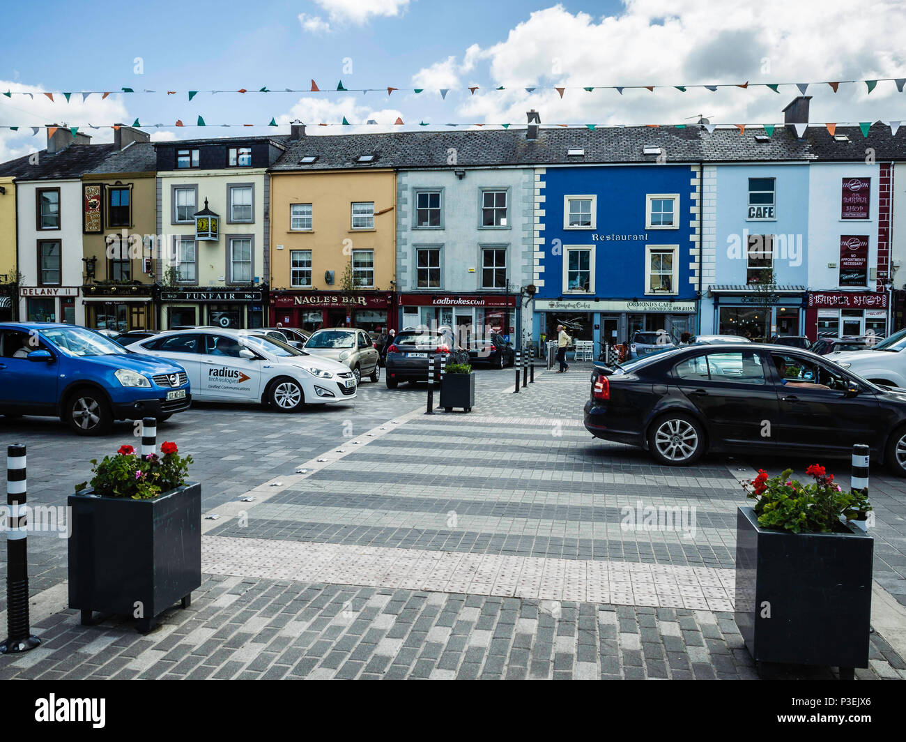 3b80b6765e078 Grattan Square, Dungarvan Stock Photo: 208690558 - Alamy