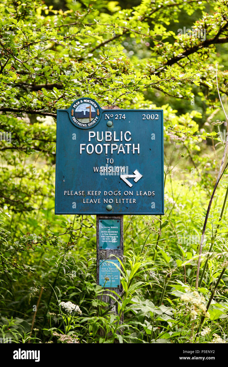 A public footpath sign (No 274) erected by the Peak and Northern Footpaths Society saying public footpath to Warslow, Manifold Valley, Staffordshire Stock Photo