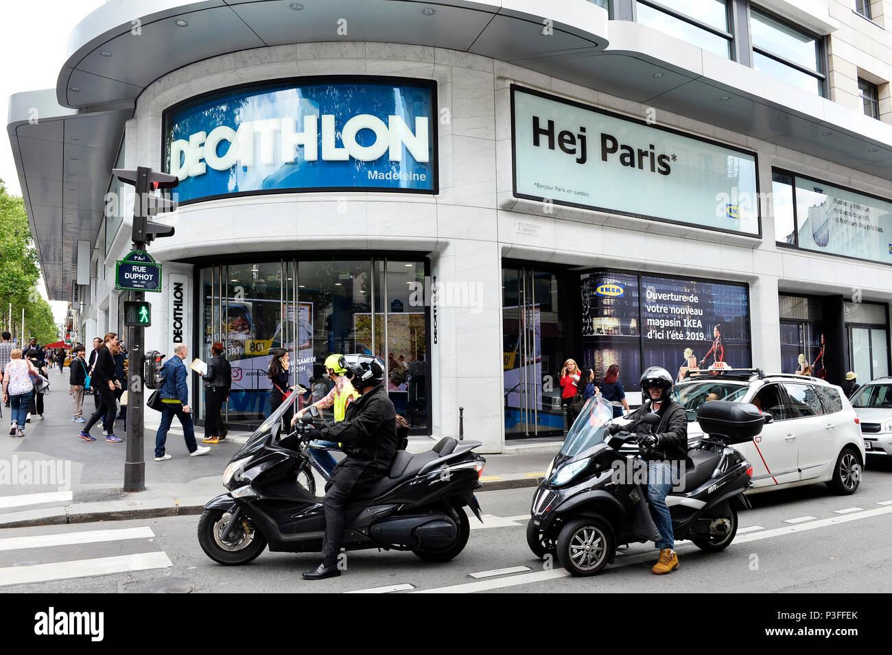Department Store Paris Stock Photos & Department Store Paris Stock ...