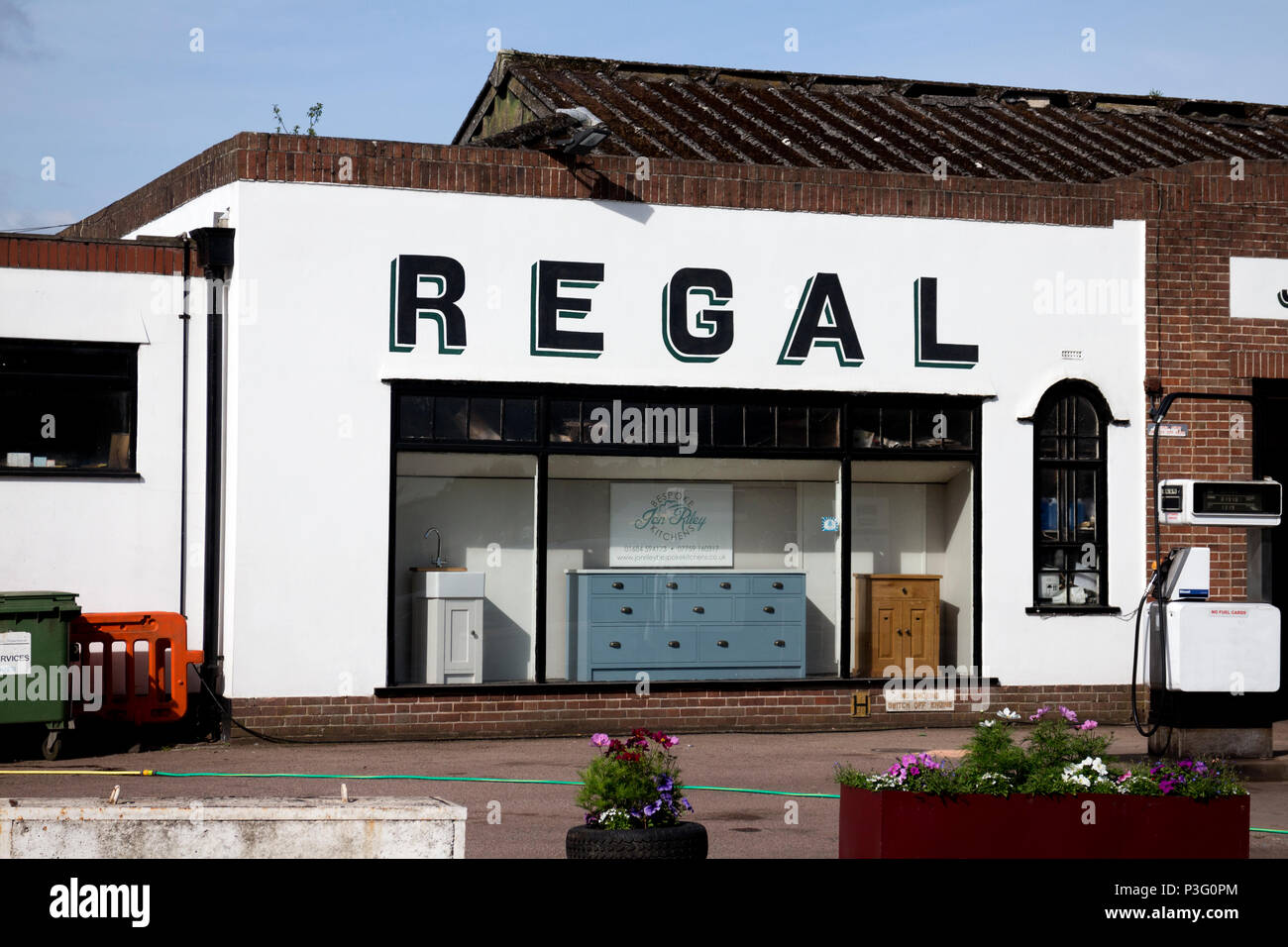 The Regal Garage Upton Upon Severn Worcestershire England Uk