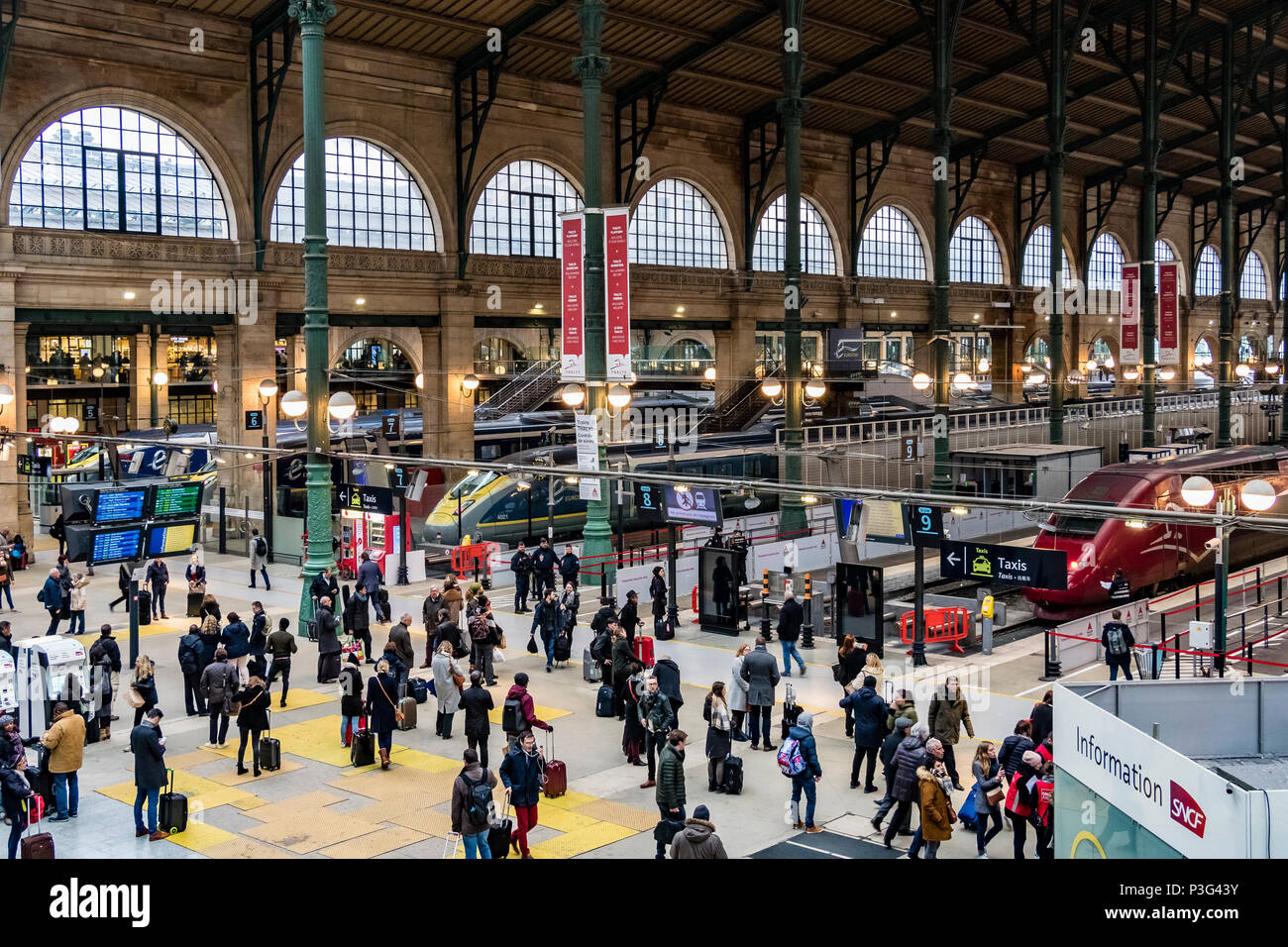 tgv railway station stock photos tgv railway station stock images alamy. Black Bedroom Furniture Sets. Home Design Ideas