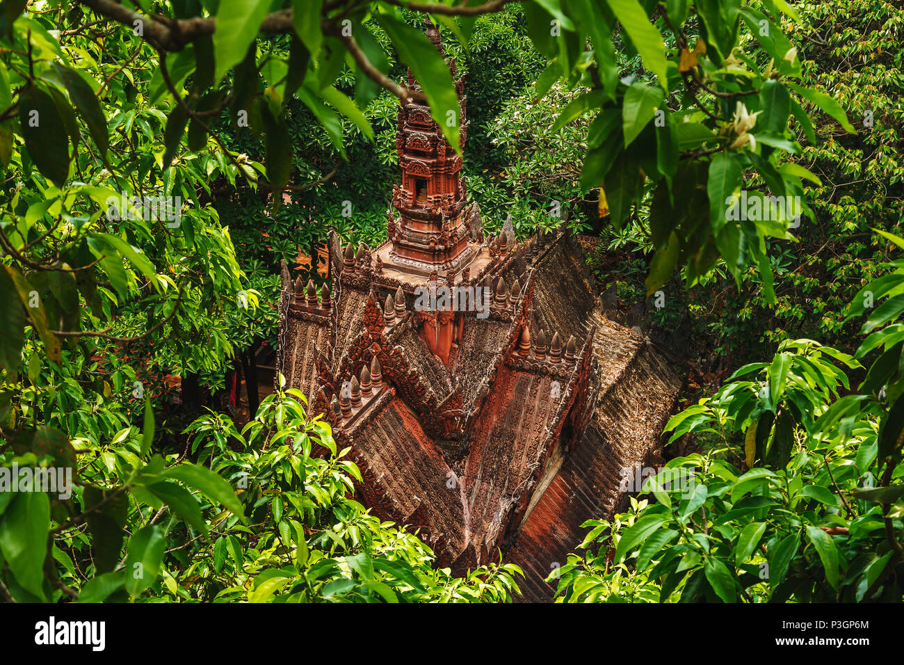 Small Buddhist temple on the sacred mountain of Phnom Kulen, Cambodia. - Stock Image