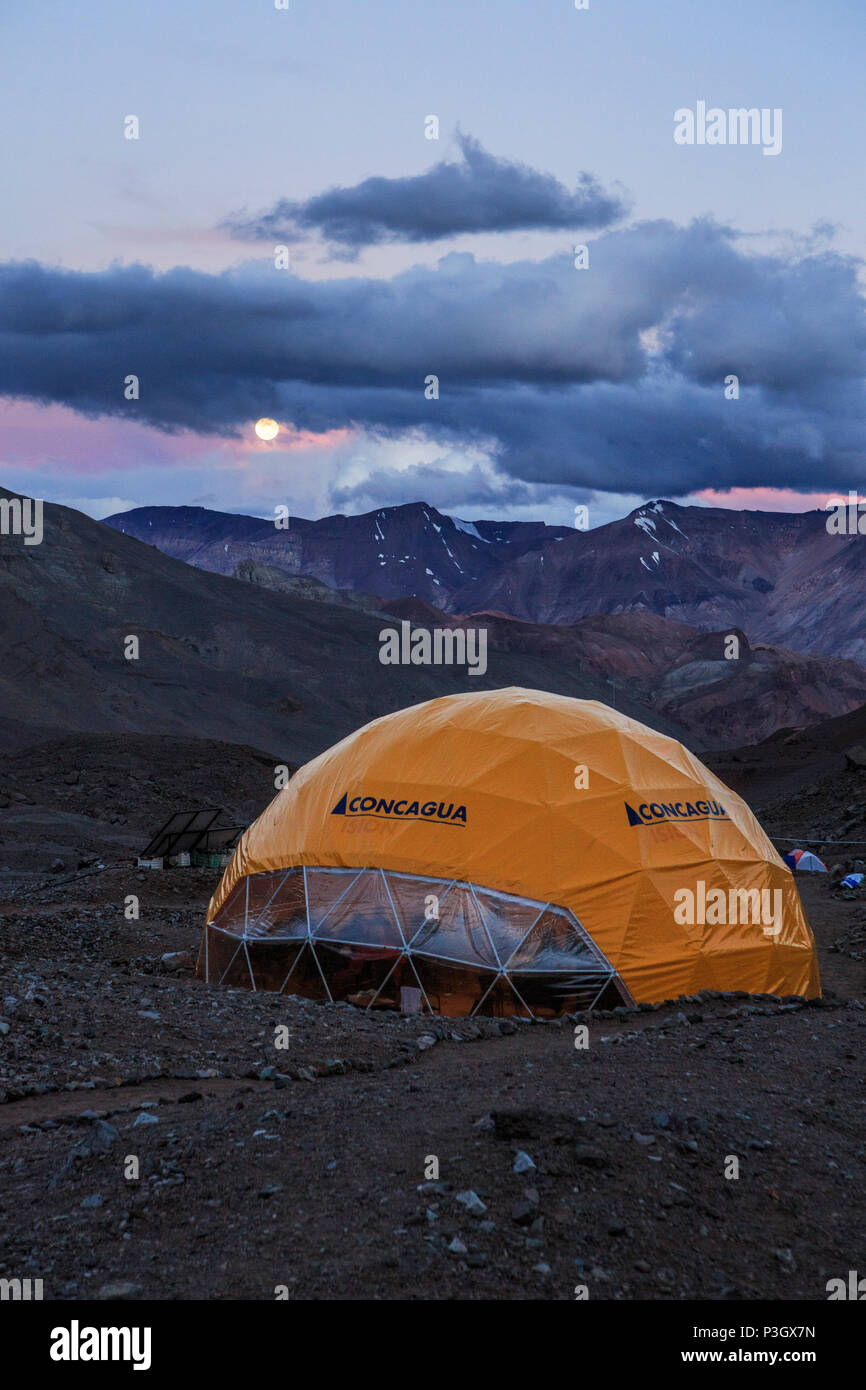 Base camp tent at Plaza de Argentina beneath Aconcagua, Mendoza, Argentina - Stock Image