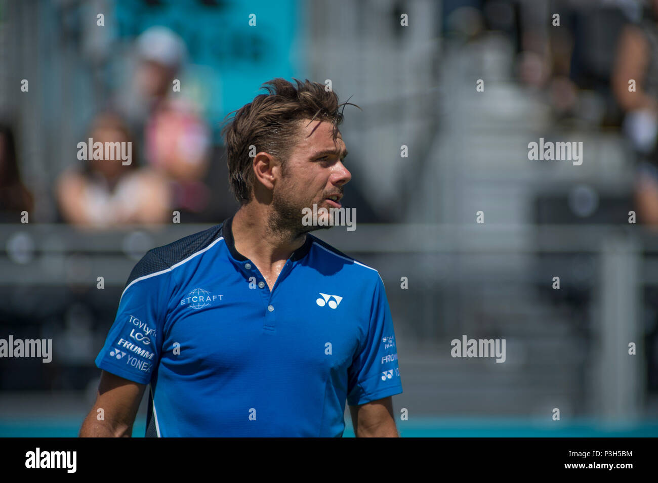 The Queen's Club, London, UK. 18 June, 2018. The Men's grass court tennis championships, a prelude to Wimbledon, on centre court with Stan Wawrinka (SUI) vs Cameron Norrie (GBR). Credit: Malcolm Park/Alamy Live News. - Stock Image