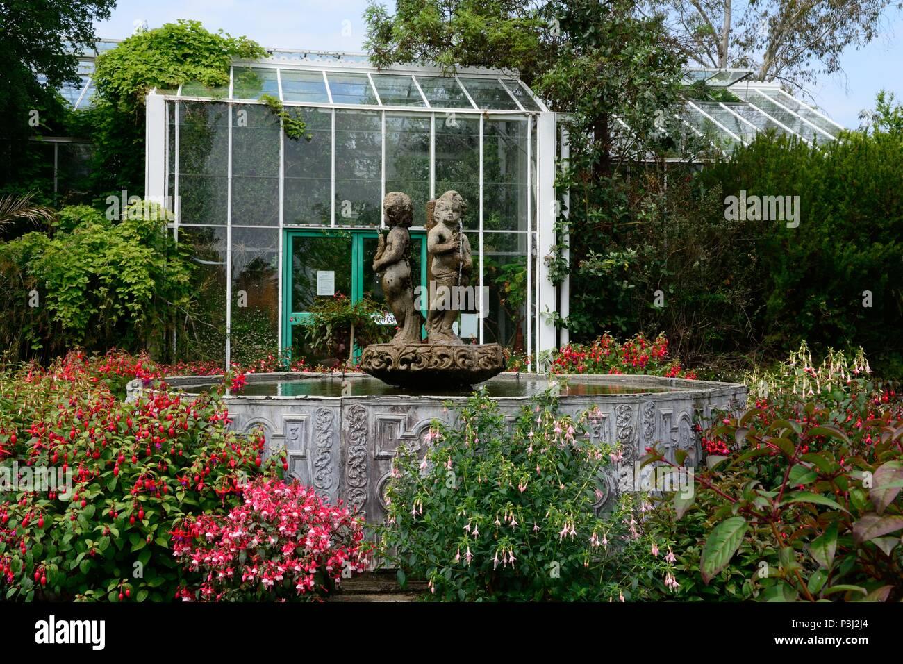 Entrance to the Temperate house Singleton Park garden Mumbles Swansea - Stock Image