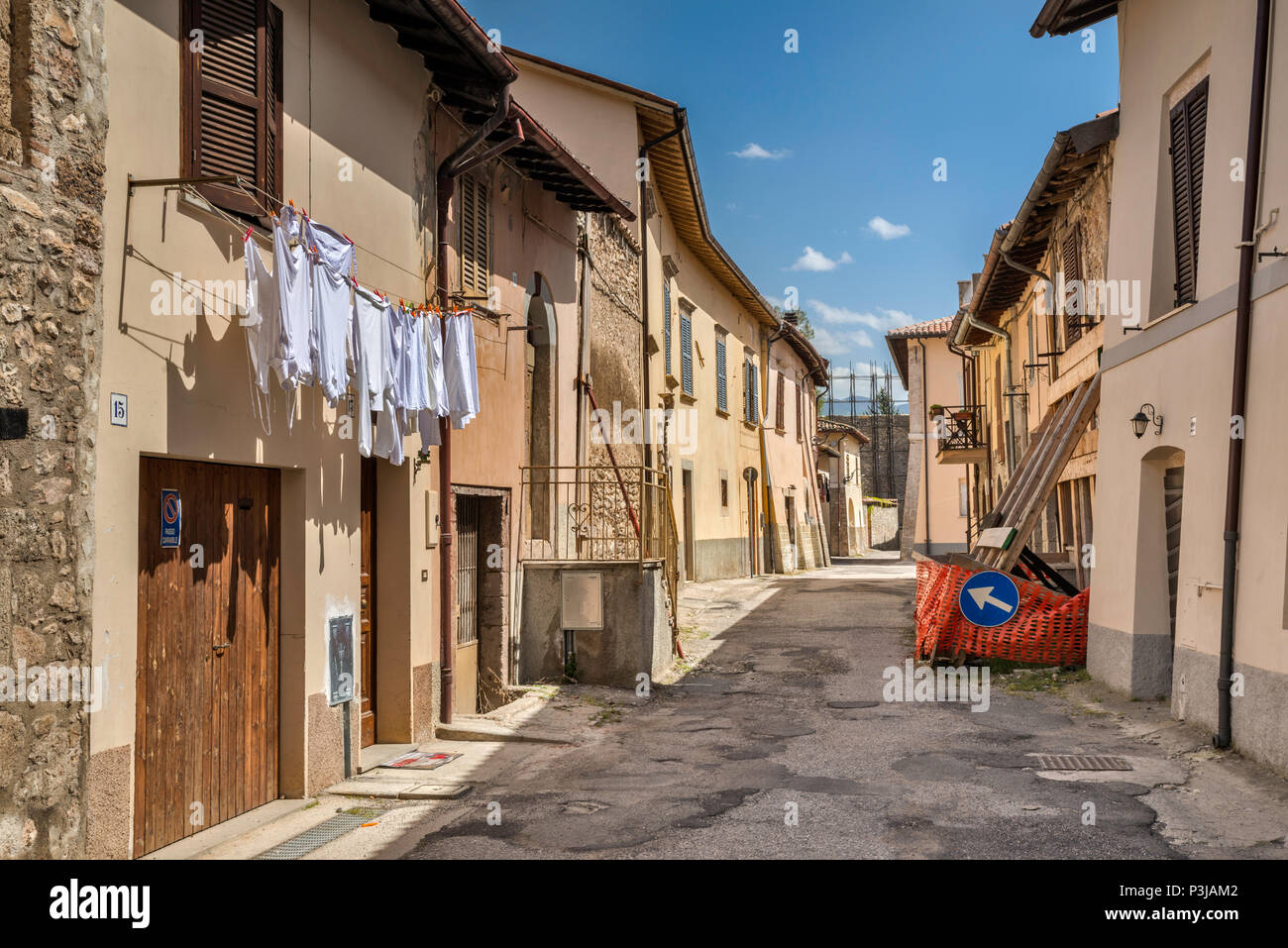 Life is returning to the city, devastated by 2016 series of earthquakes, street in Norcia, Umbria, Italy - Stock Image
