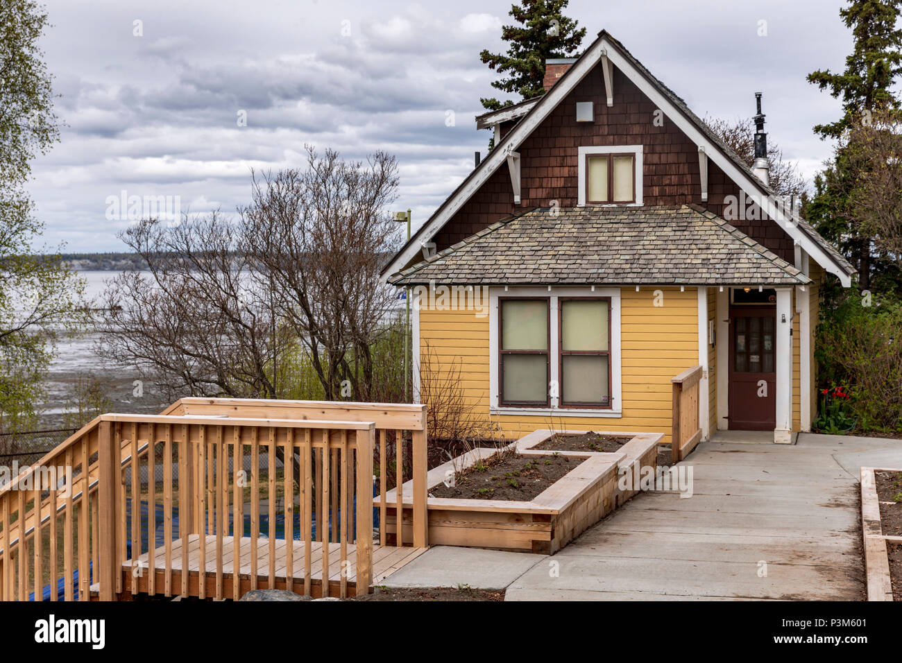 Anchorage museum stock photos anchorage museum stock - Exterior house painting anchorage ...