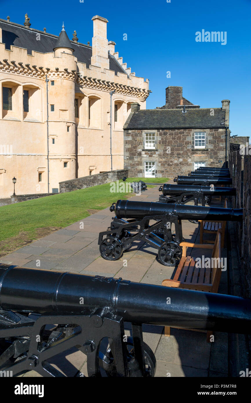 Battery of Cannon along the wall of Stirling Castle, Stirling, England - Stock Image