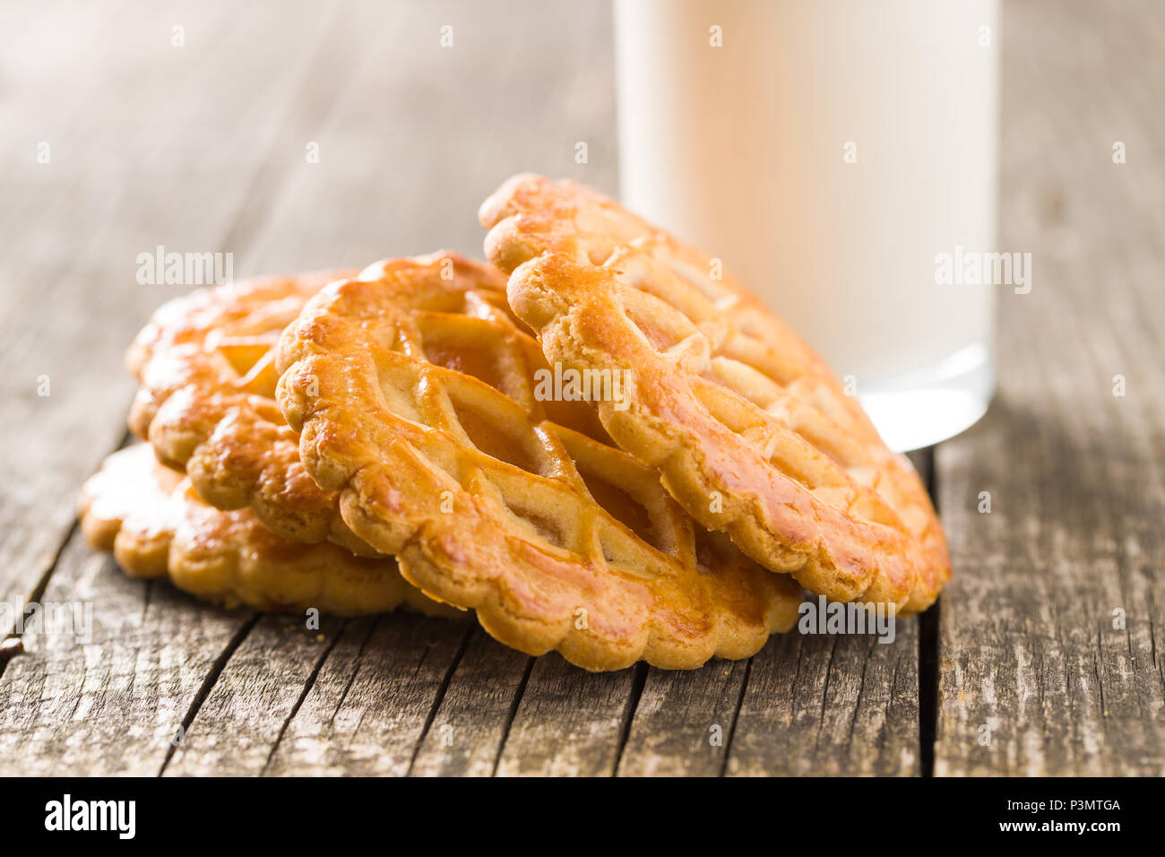 The apple pie cookies on old wooden table. - Stock Image