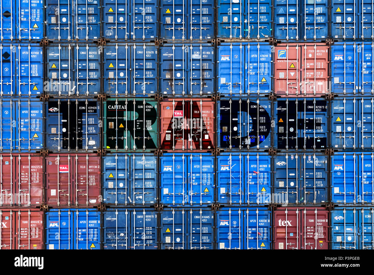 Stacked containers labeled trade, trade Photo icon, Gestapelte Container mit der Aufschrift Trade, Symbolfoto Handel - Stock Image
