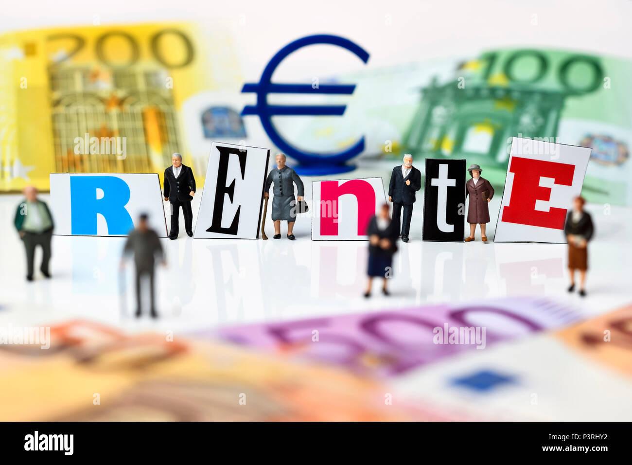 Miniature figures, pensions lettering and banknotes, Miniaturfiguren, Rente-Schriftzug und Geldscheine Stock Photo