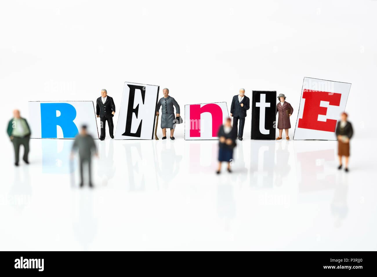 Pension miniature figures and lettering, Miniaturfiguren und Rente-Schriftzug Stock Photo