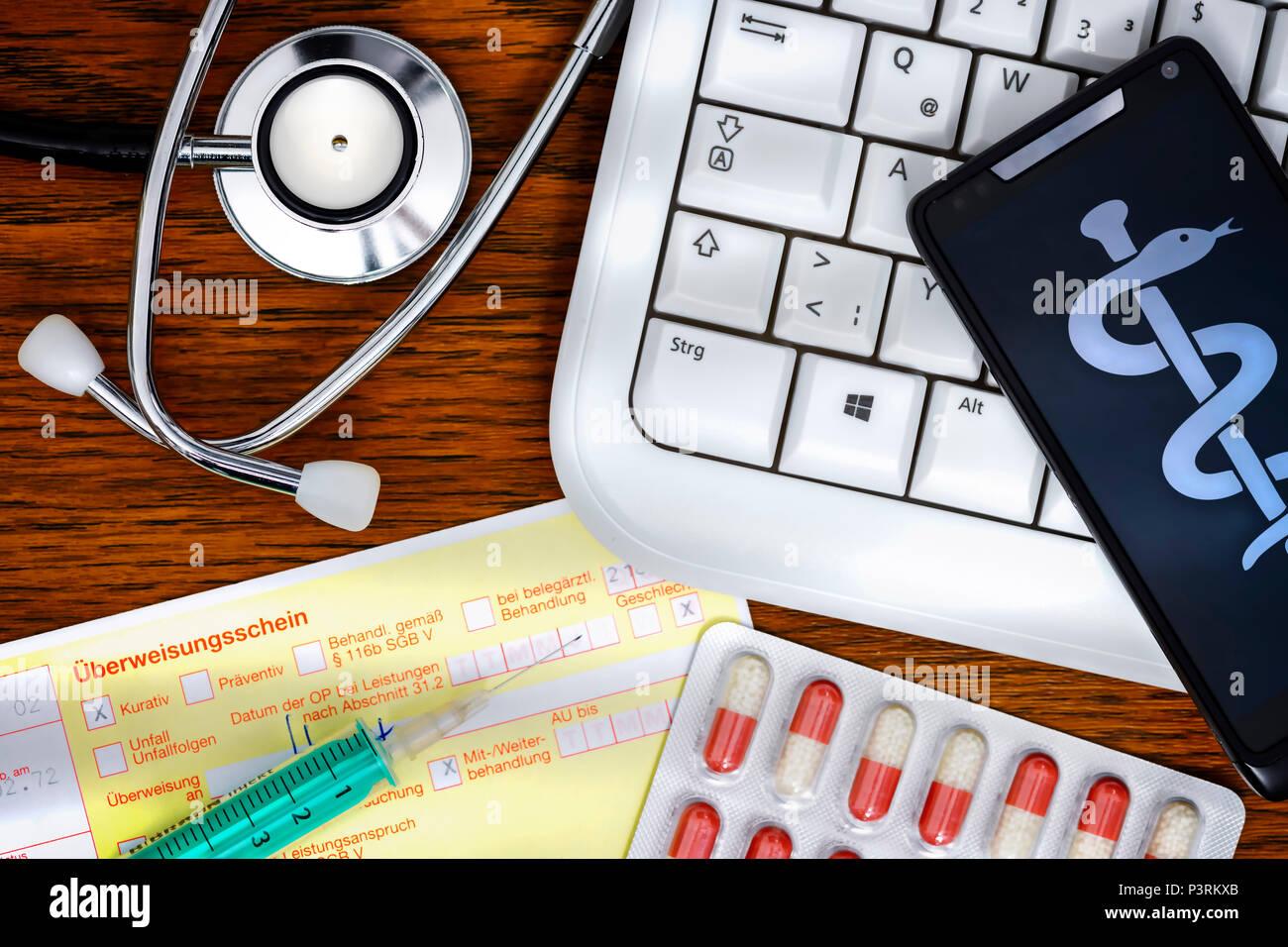 Stethoscope, computer keyboard and smartphone, telemedicine and remote treatment Photo icon, Stethoskop, Computertastatur und Smartphone, Symbolfoto T - Stock Image