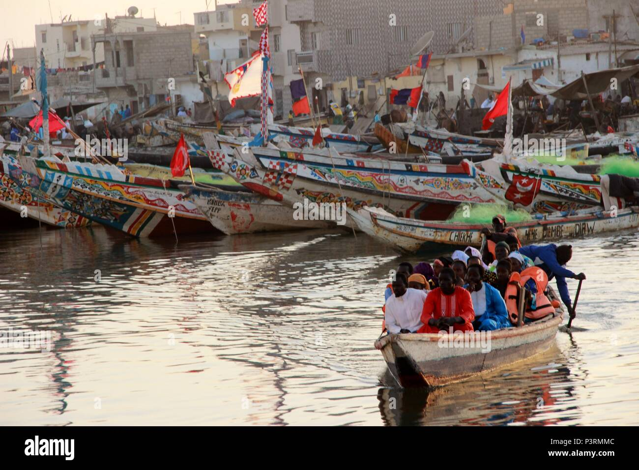 St Louis Taxi >> River Taxi St Louis Senegal Stock Photo 208889532 Alamy