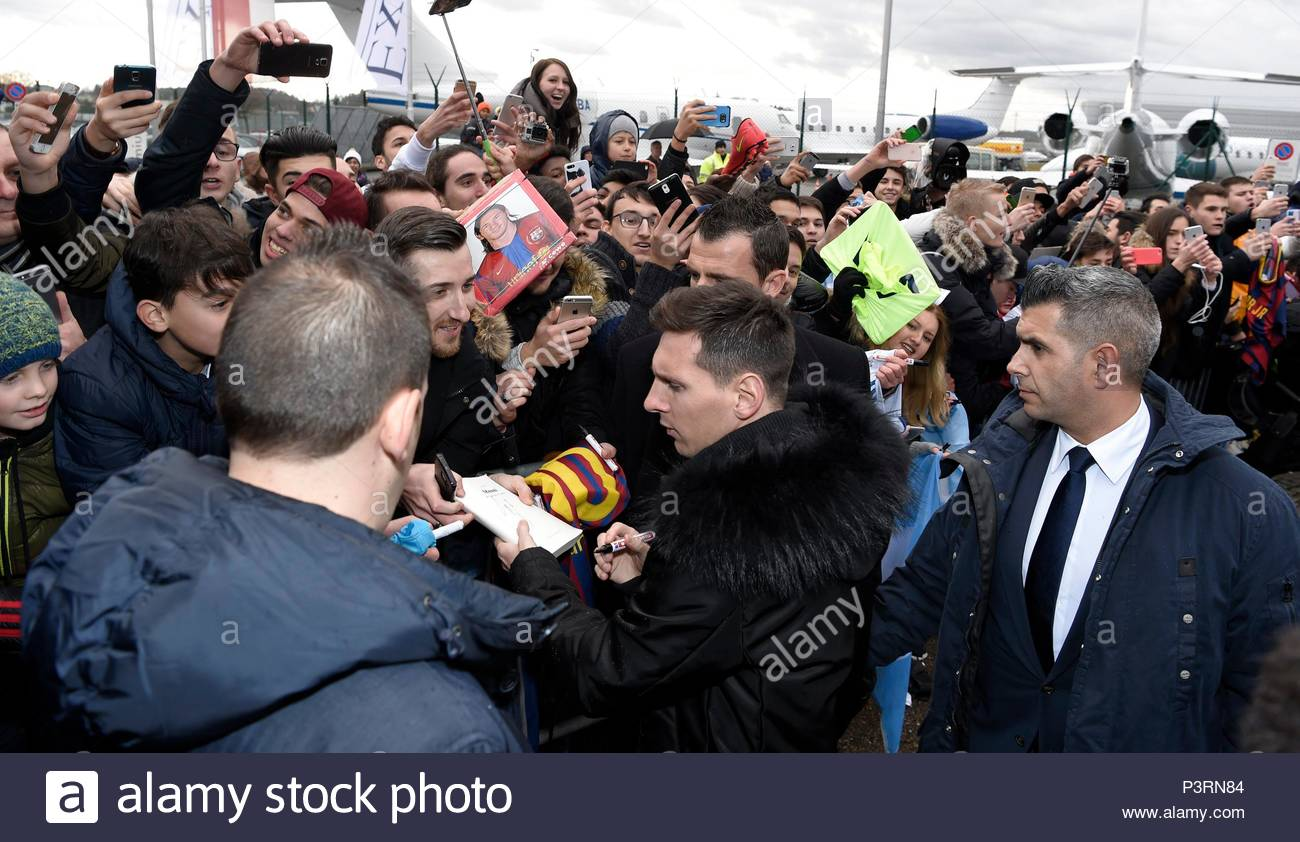Lionel Messi. 11JAN2016 Soccer stars arriving at Zurich airport for the FIFA Ballon d'Or Gala 2015 at the Kongresshalle in Zurich. - Stock Image