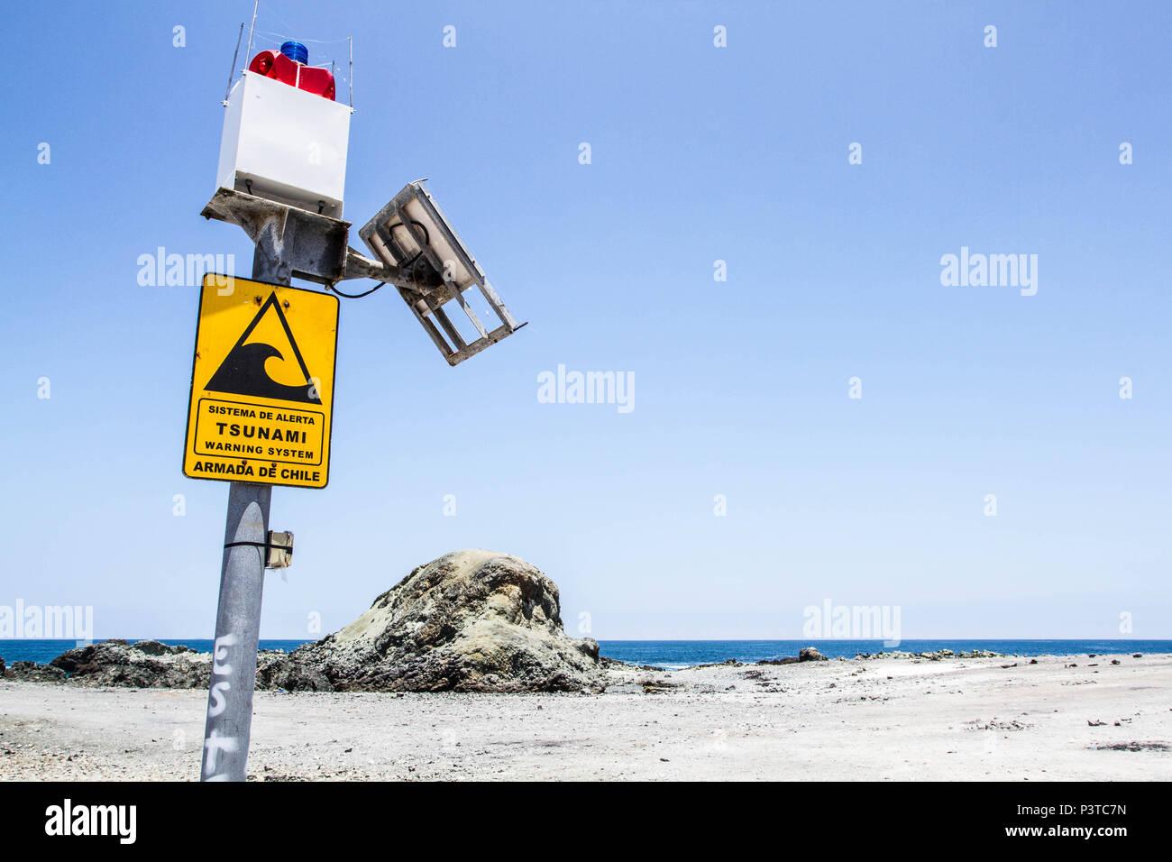 IQUIQUE, CHILE - 19.11.2015: ALTO LOS VERDES - Sistema de alerta para tsunami na Praia los Verdes (Playa los Verdes). (Foto: Ricardo Ribas / Fotoarena) Stock Photo