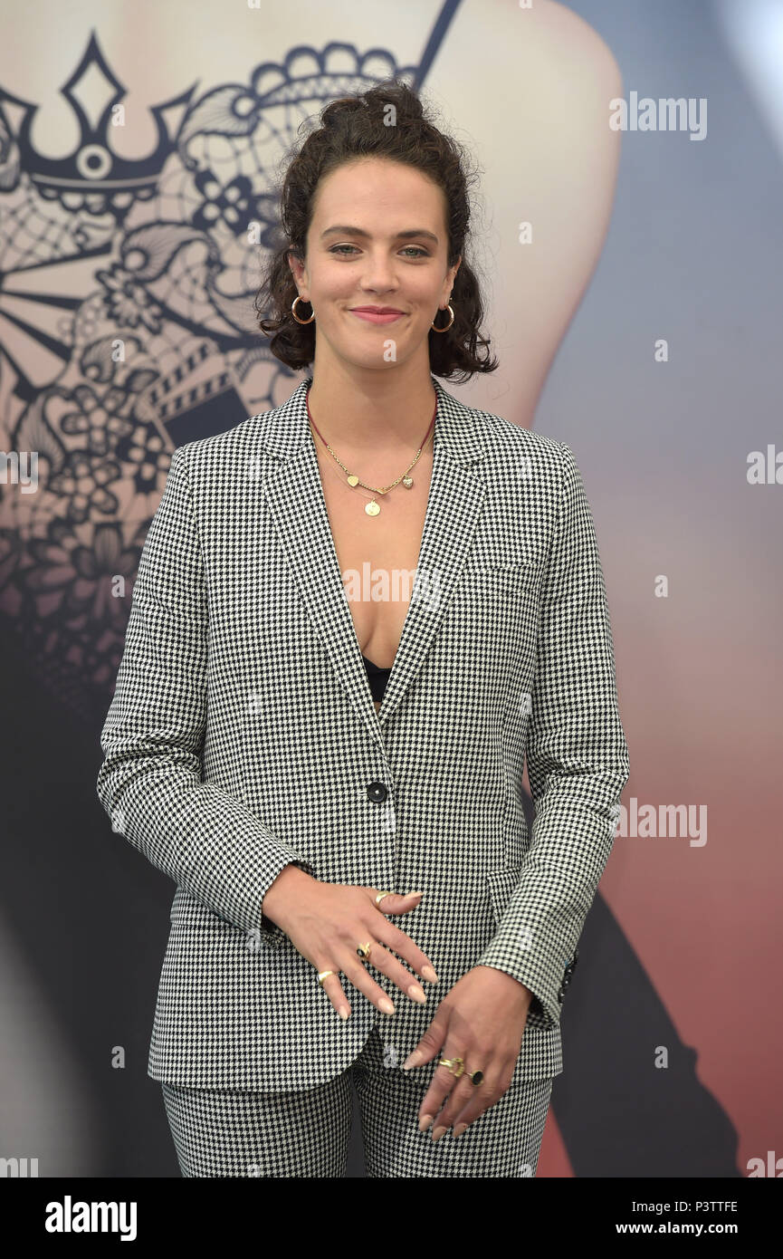Jessica brown findlay 58th monte carlo television festival closing ceremony 6 new pics