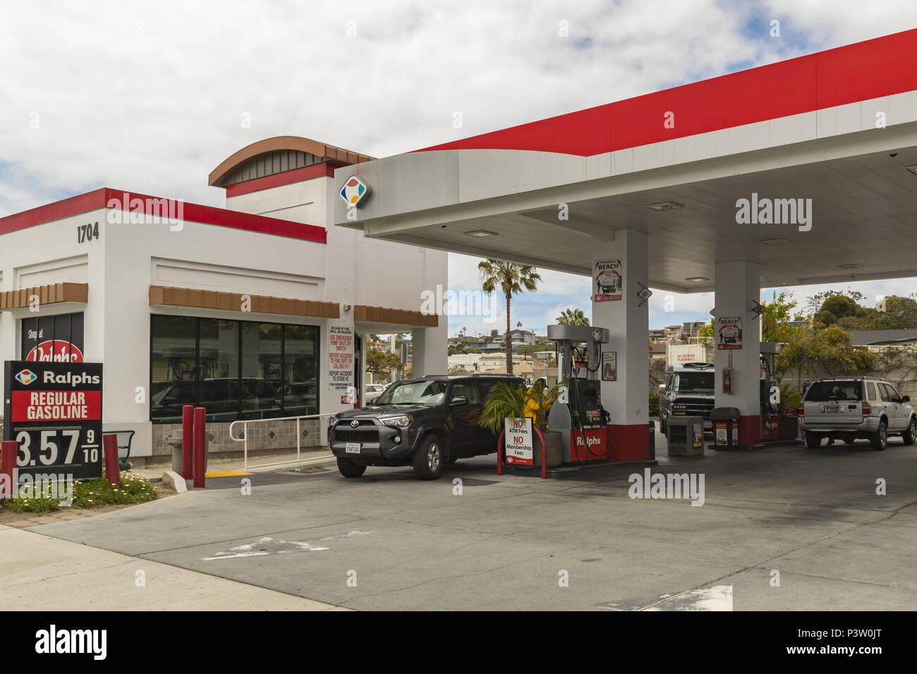 Ralphs Gas Station >> San Diego California Usa 12th May 2018 Filling Station