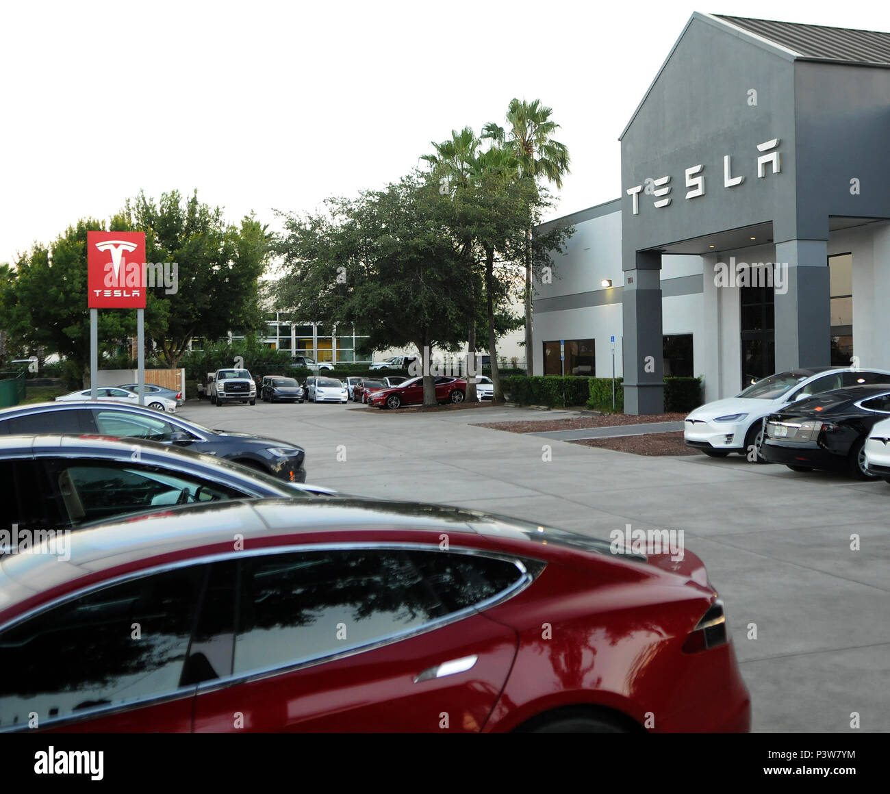 Eatonville Florida Usa 19th Jun 2018 Electric Cars Are Seen At